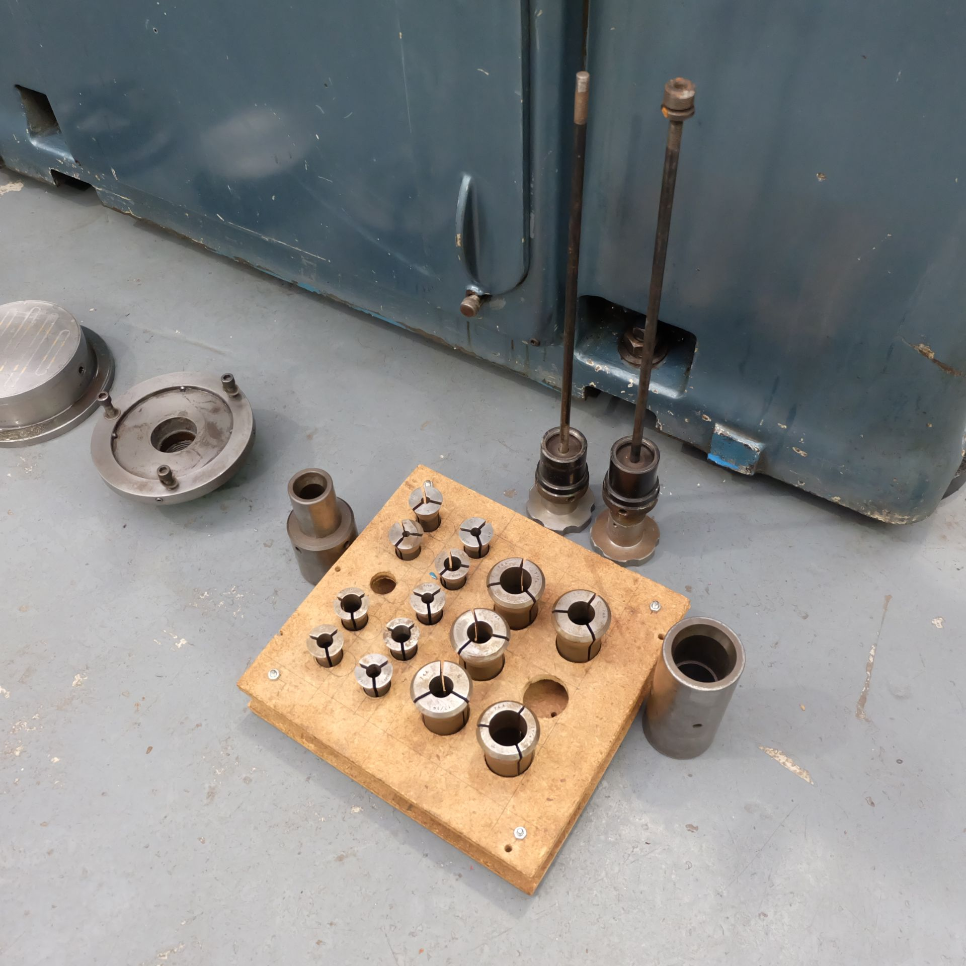 "Jones & Shipman Type 1311 Universal Cylindrical Grinder. 24"" x 10"" Capacity. - Image 10 of 11"