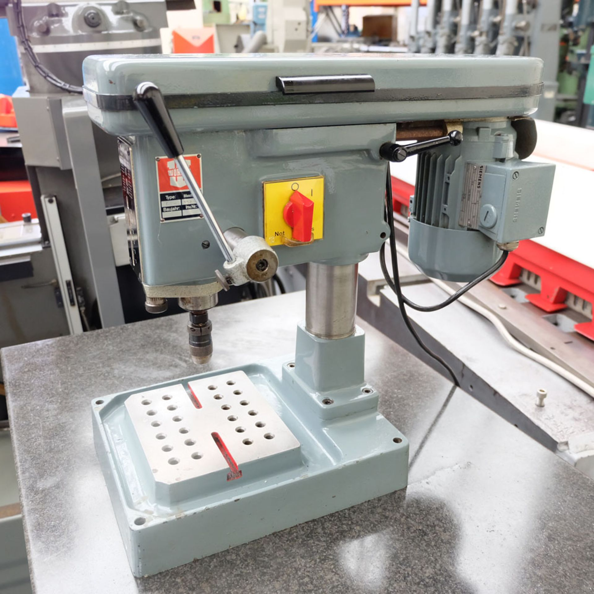 "Worner Type B4 High Speed Bench Drill. Drill Chuck Capacity 0-5/32"". - Image 2 of 9"