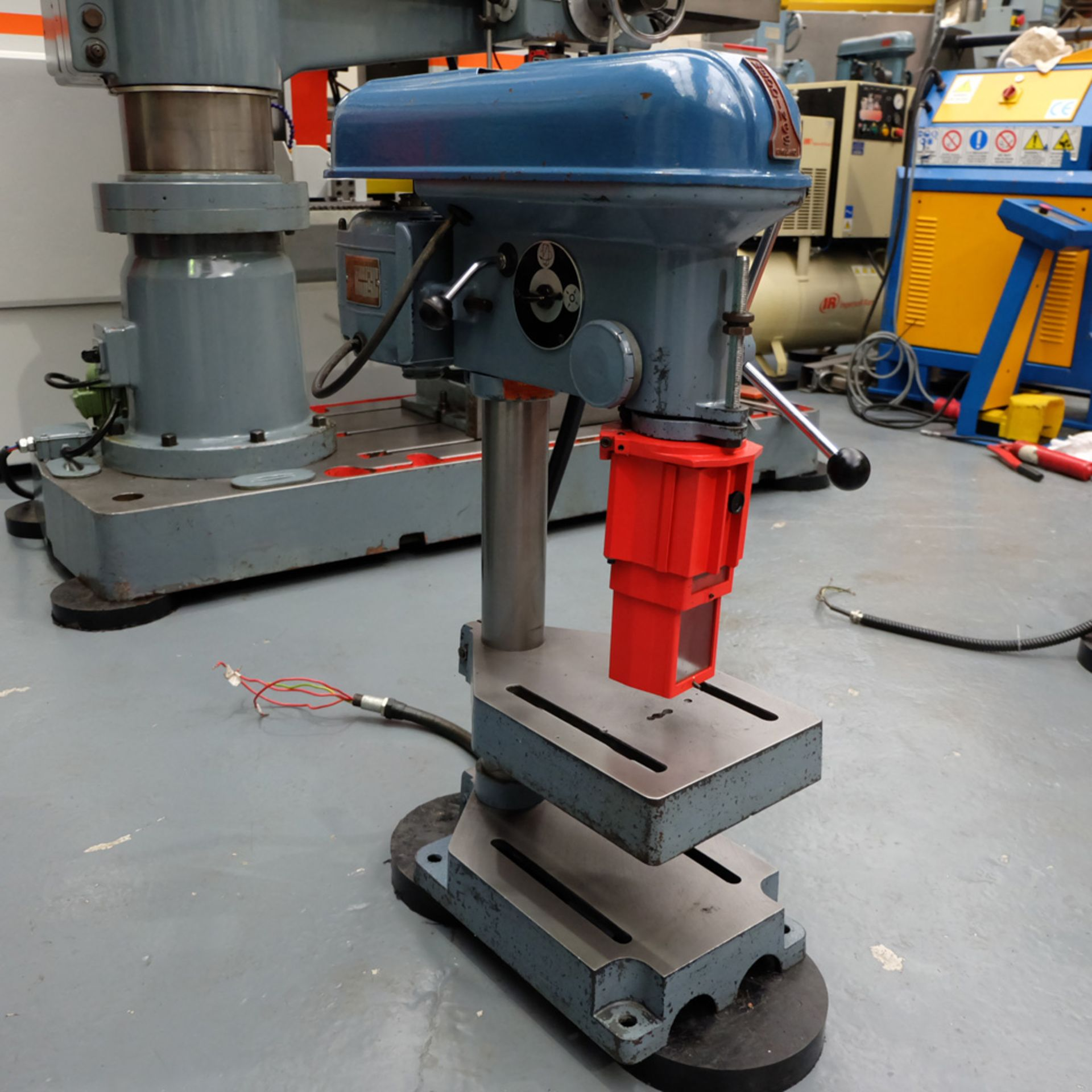 """Meddings Drilltru DTF Bench Drill. Capacity 1/2"""". Table Size 9"""" x 11"""". - Image 2 of 7"""