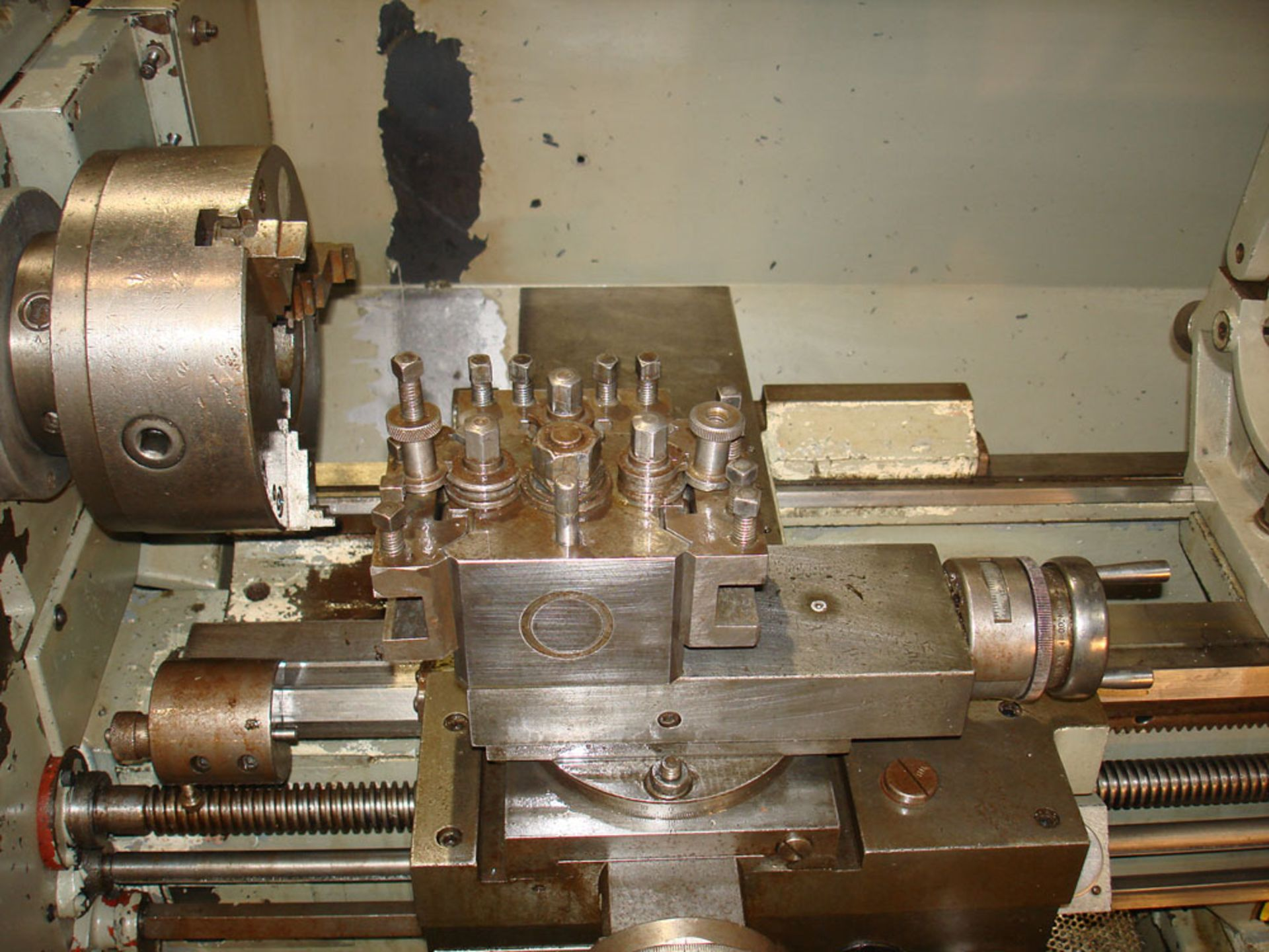Colchester Master 2500 Gap Bed Centre Lathe. Swing 335mm x 635mm. With Chuck & Steady. - Image 5 of 5