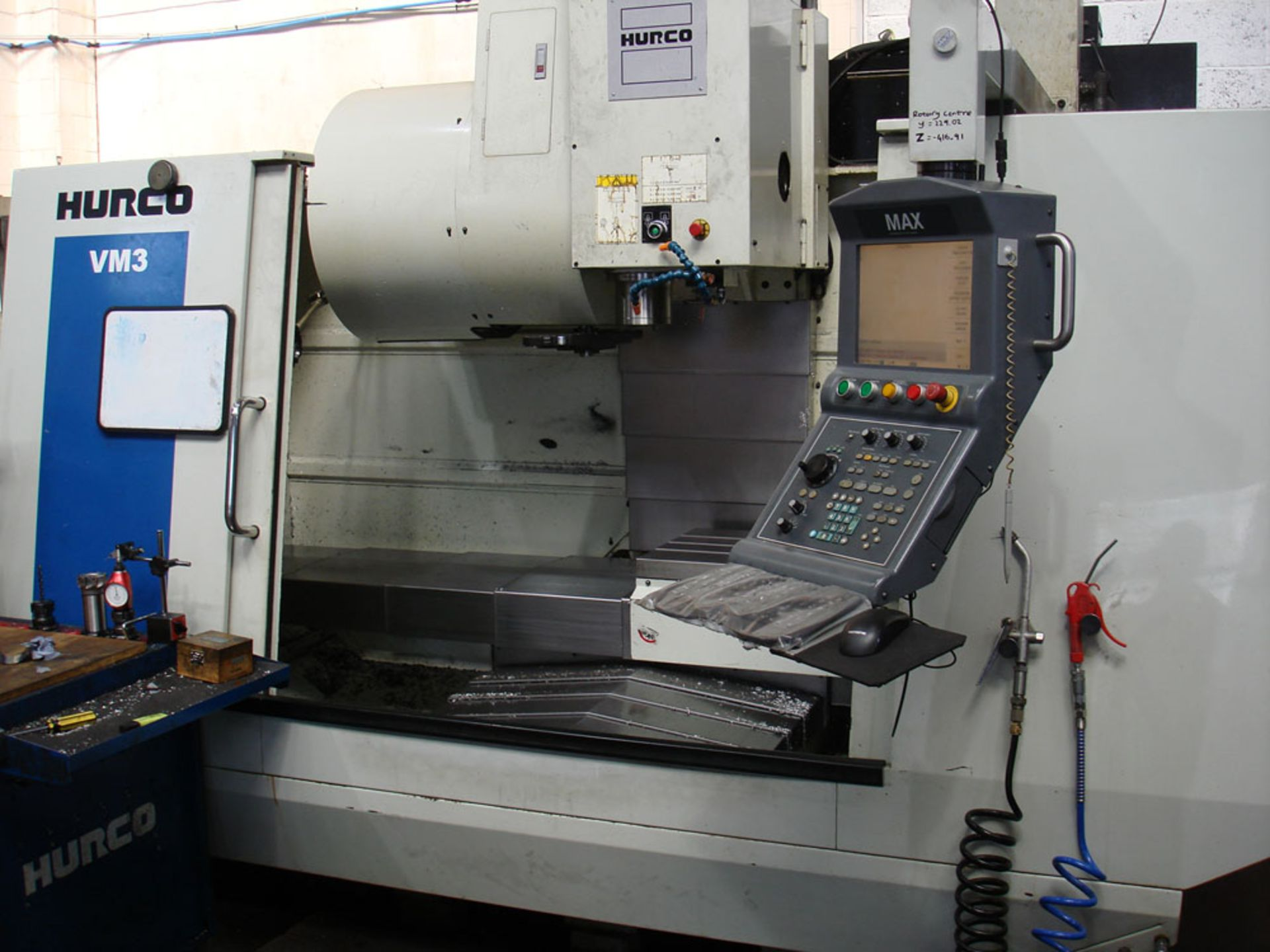 HURCO VM3 Vertical Machining Centre. Year 2008. Hurco Max Control. Table Size 1321 x 457 mm. - Image 2 of 9