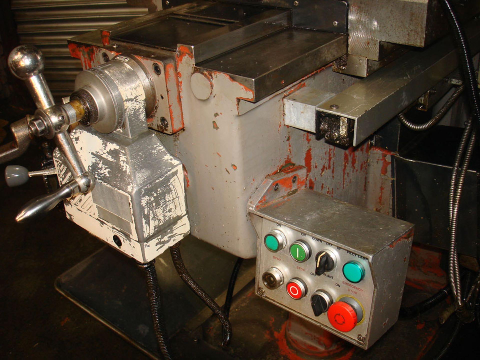 KRV 3000 SLV Turret Milling Machine. Table Size 1473 x 305mm. - Image 6 of 7