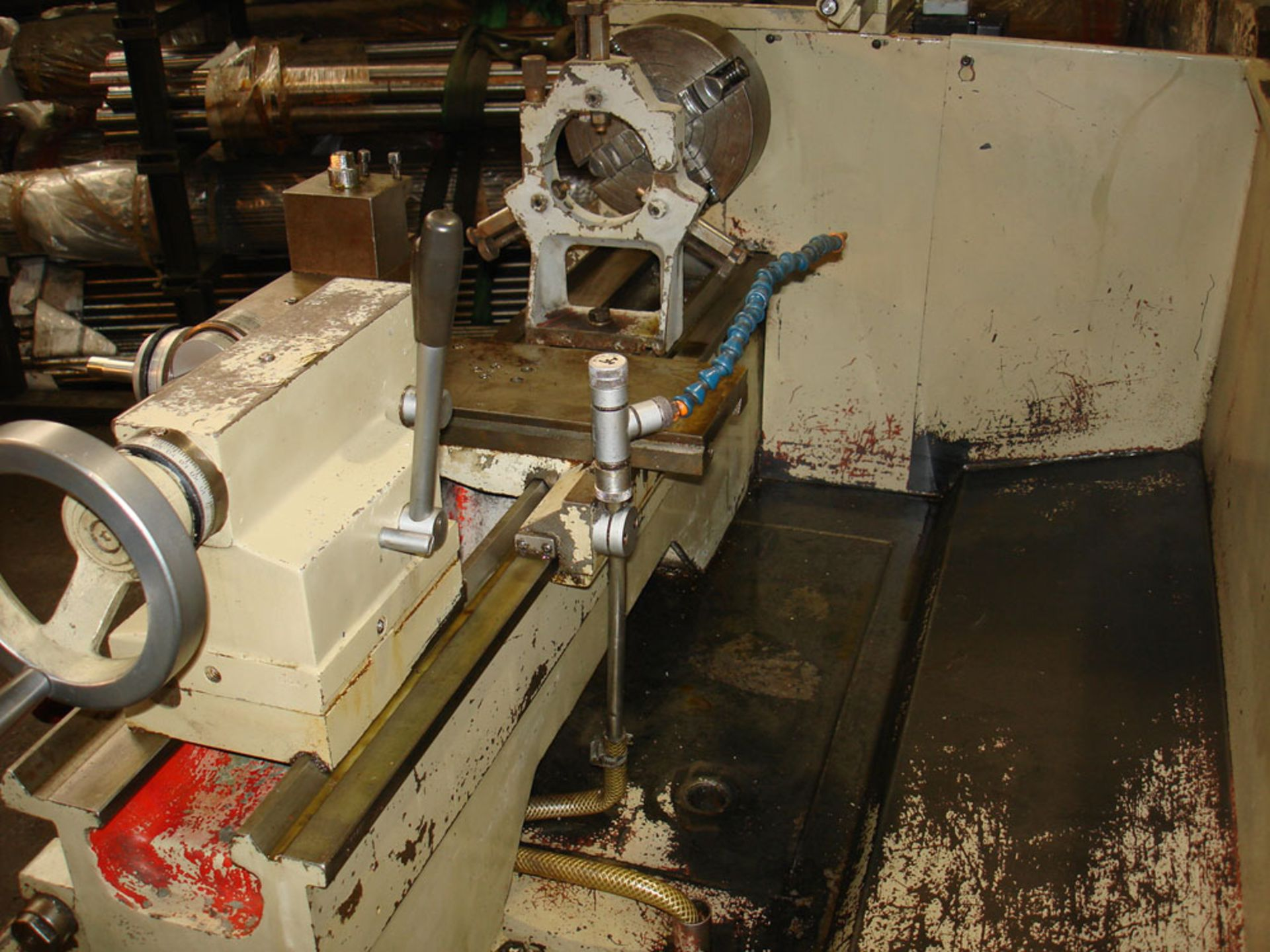 Harrison M300 Gap Bed Centre Lathe. Swing Over Bed 330 mm. Distance Between Centres 635mm. - Image 5 of 6