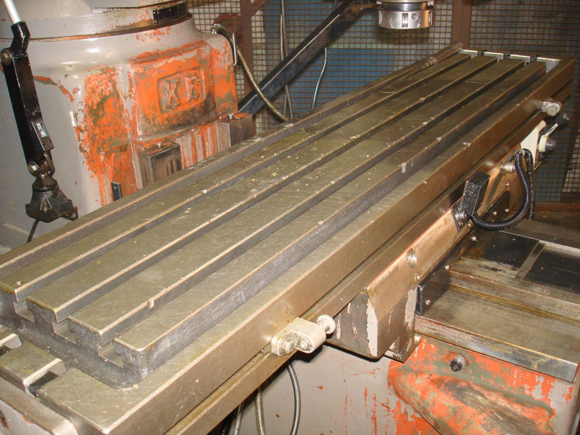 KRV 3000 SLV Turret Milling Machine. Table Size 1473 x 305mm. - Image 4 of 7