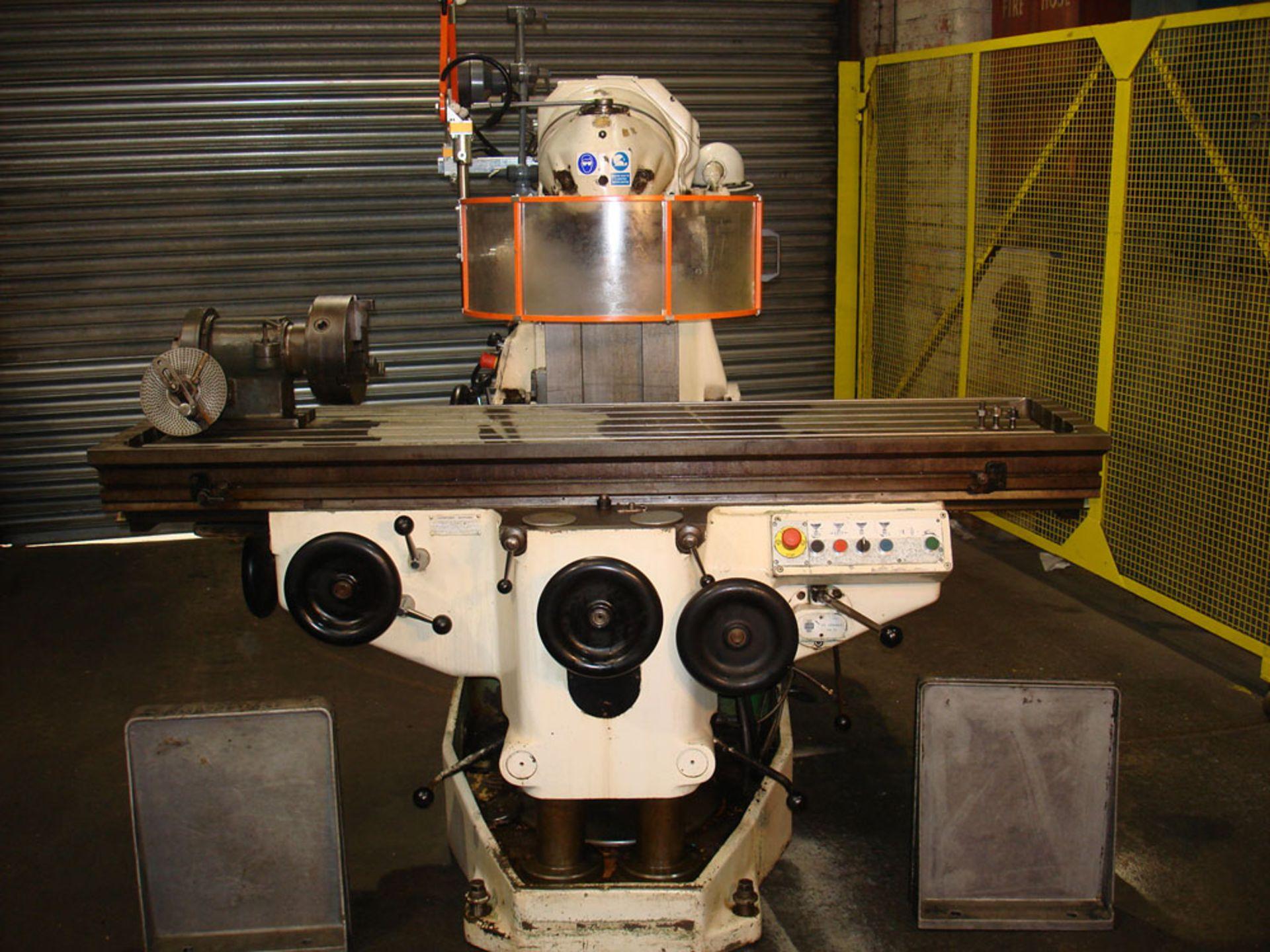 Huron MU6 Universal Milling Machine.