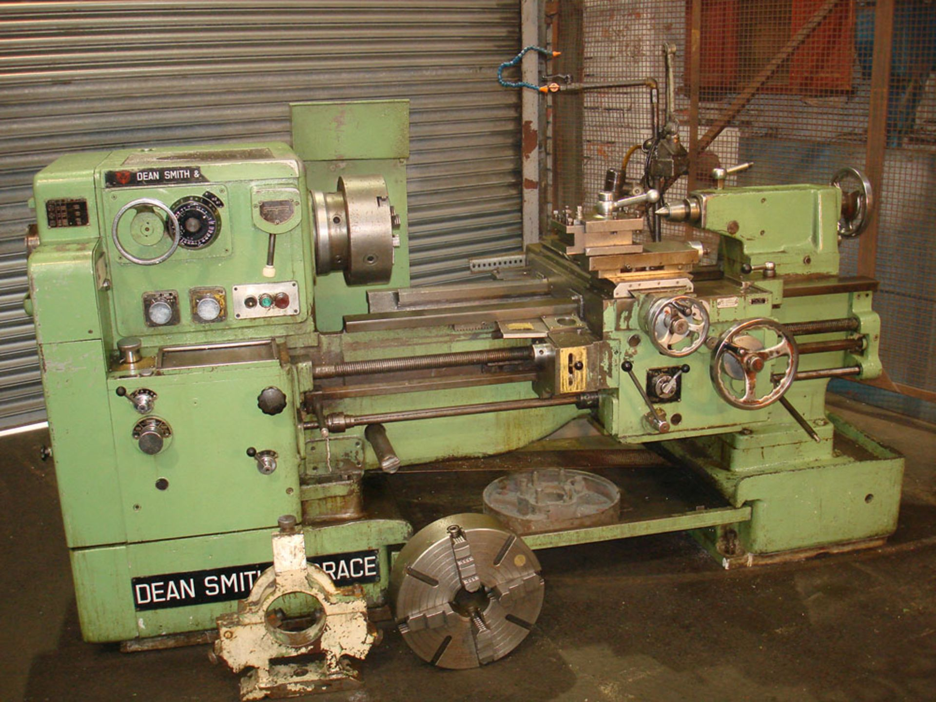 """Dean Smith & Grace 1709 Centre Lathe. Swing 17"""" Over Bed. 40"""" Between Centres. - Image 2 of 6"""