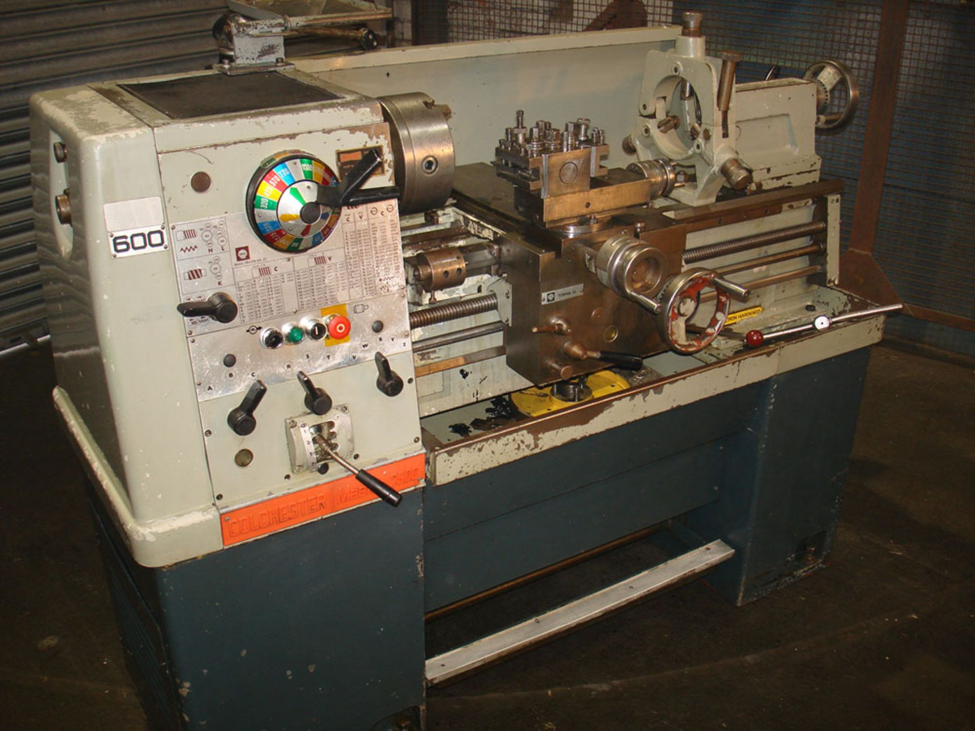 Colchester Master 2500 Gap Bed Centre Lathe. Swing 335mm x 635mm. With Chuck & Steady. - Image 2 of 5