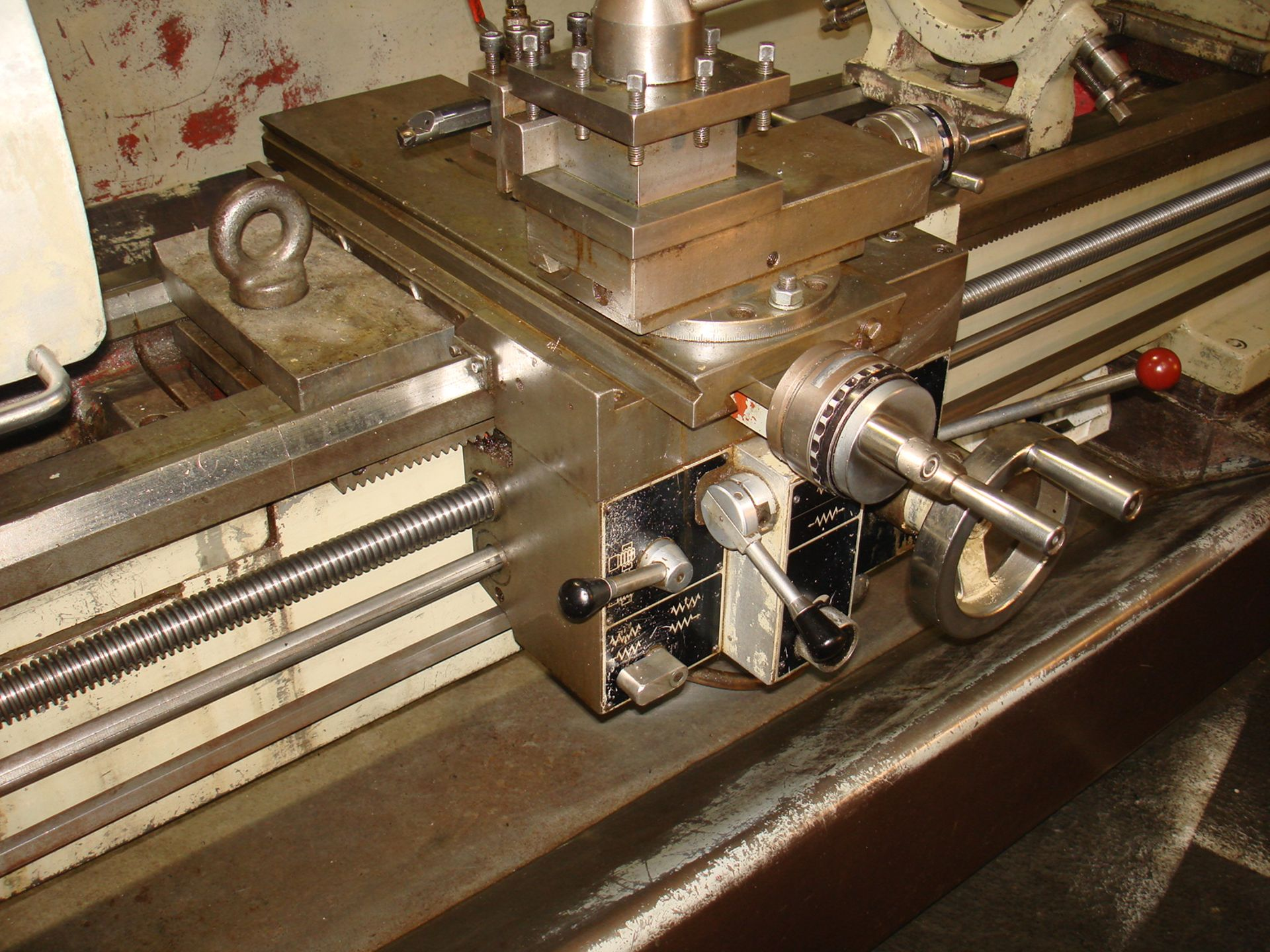 Harrison M400 Gap Bed Centre Lathe. Swing 430 mm x 1500mm. - Image 5 of 6