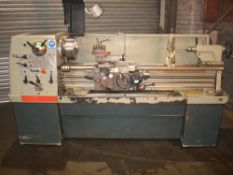 Colchester Triumph 2000 Straight Bed Centre Lathe. Swing 390mm x 1250 Between Centres.