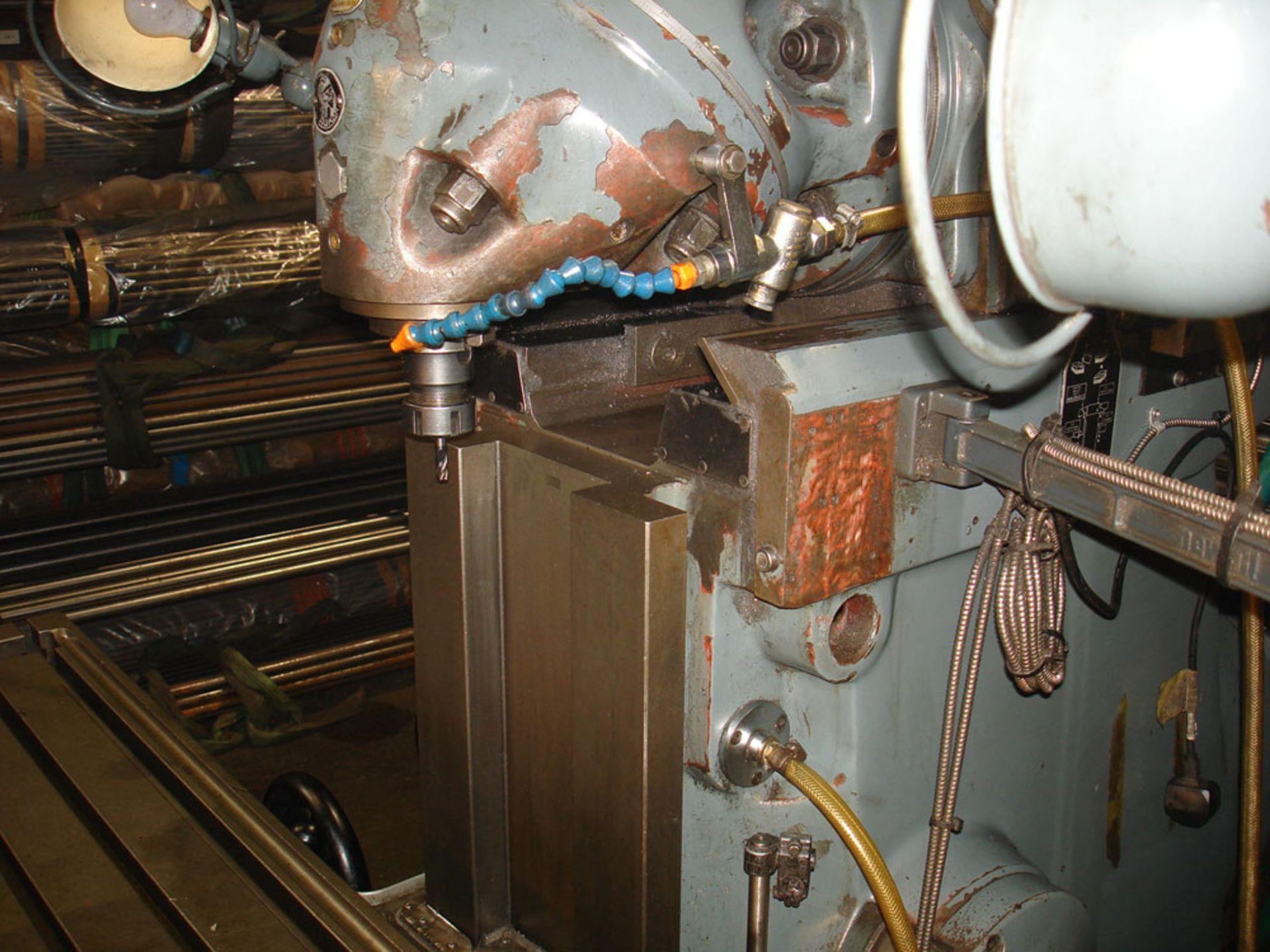 Huron NU5 Universal Milling Machine. Universal Head. Table 1600 x 460 mm. - Image 6 of 7