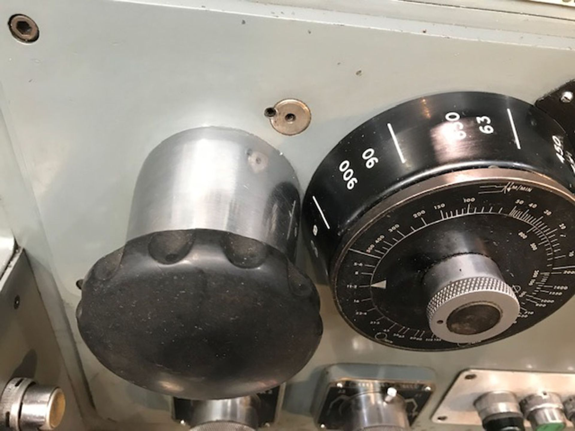 """Dean Smith & Grace 2112 x 50 Gap Bed Centre Lathe. Swing Over Bed 21"""". Distance Between Centres 50"""". - Image 4 of 9"""