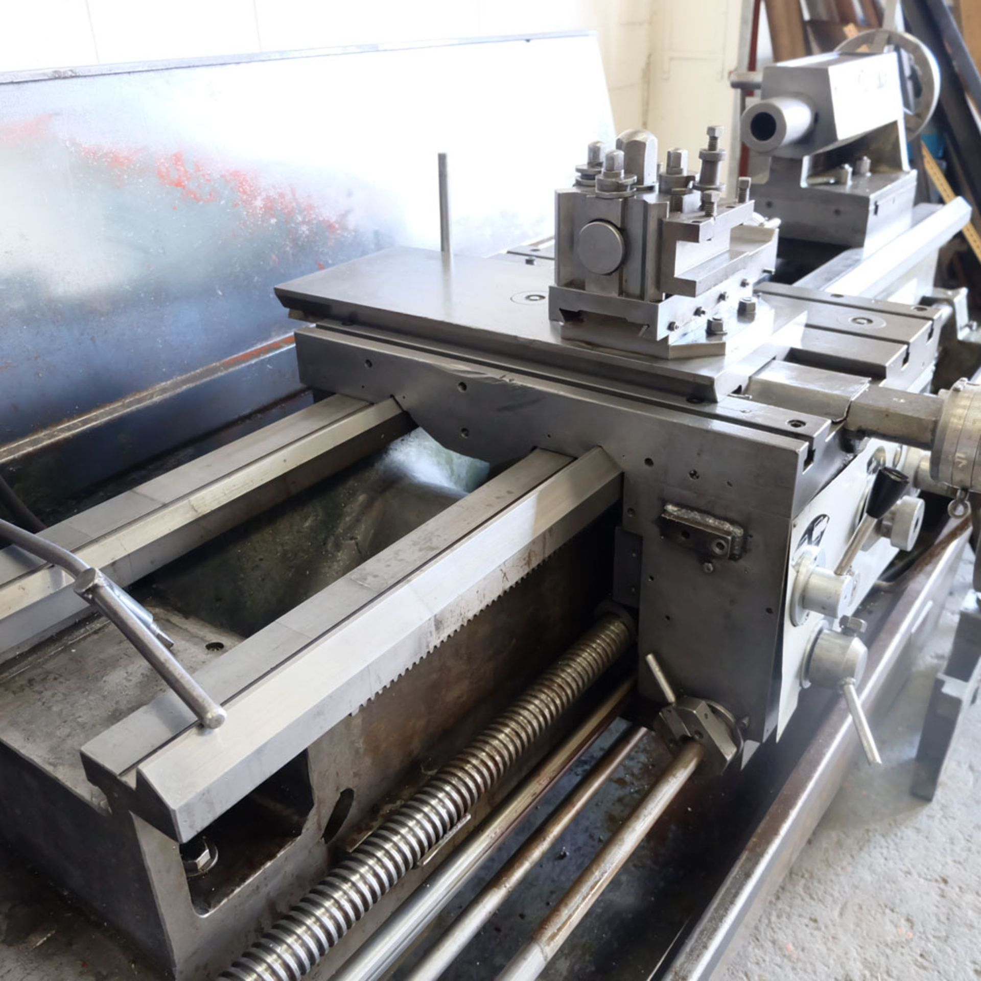 """Elliott 460 Gap Bed Centre Lathe. Swing Over Bed 18"""". Between Centres 60"""". - Image 3 of 7"""