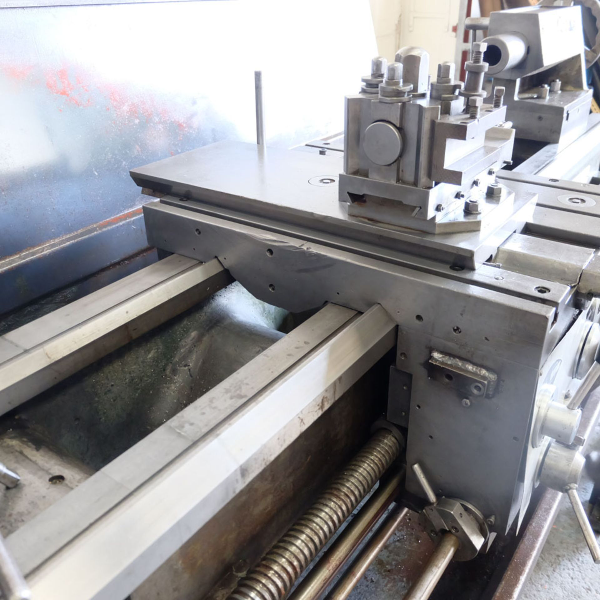 """Elliott 460 Gap Bed Centre Lathe. Swing Over Bed 18"""". Between Centres 60"""". - Image 4 of 7"""