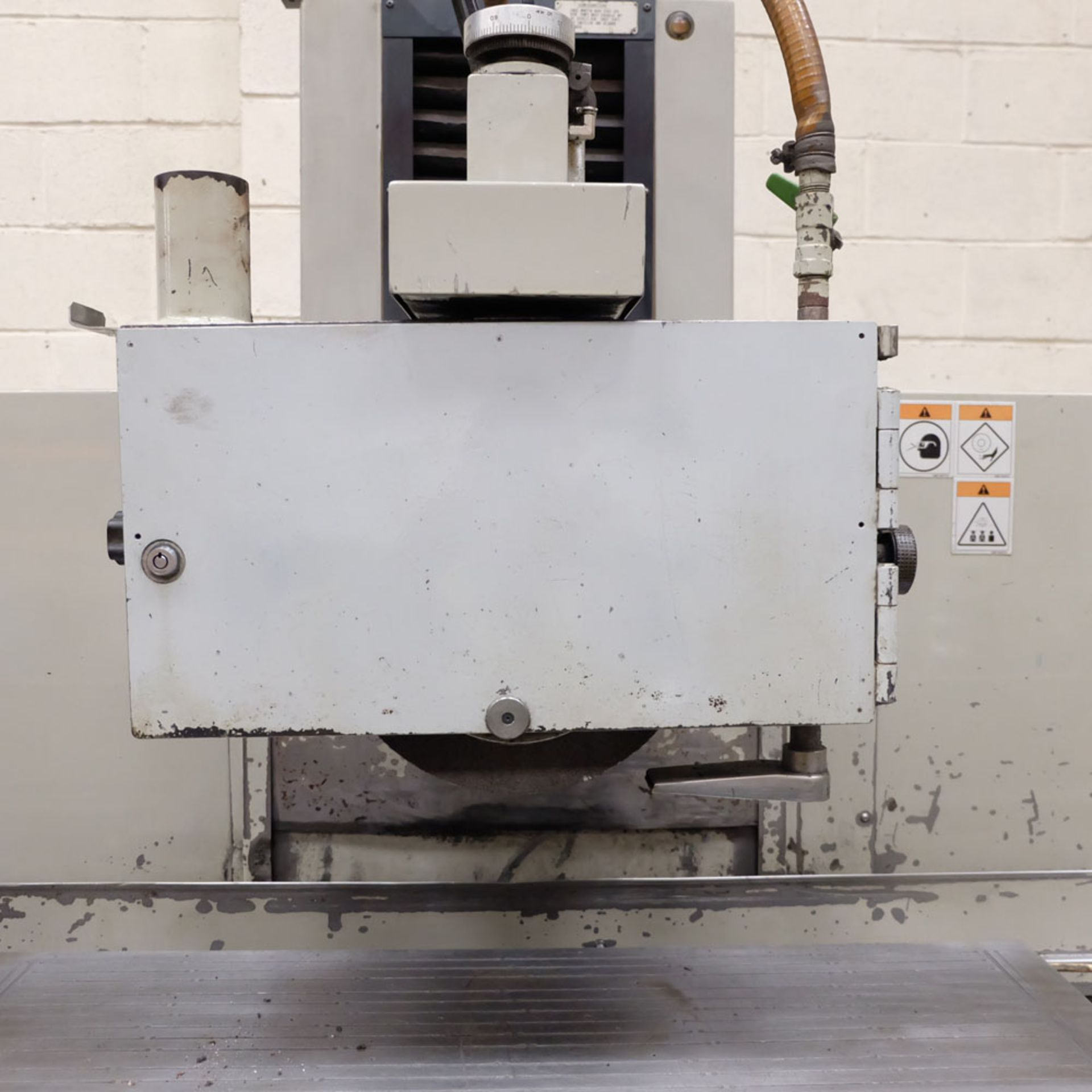 """Okamoto Type ACC-84 DX Precision Surface Grinding Machine. Grinding Capacity: 32"""" x 16""""(805 x 400mm) - Image 5 of 8"""