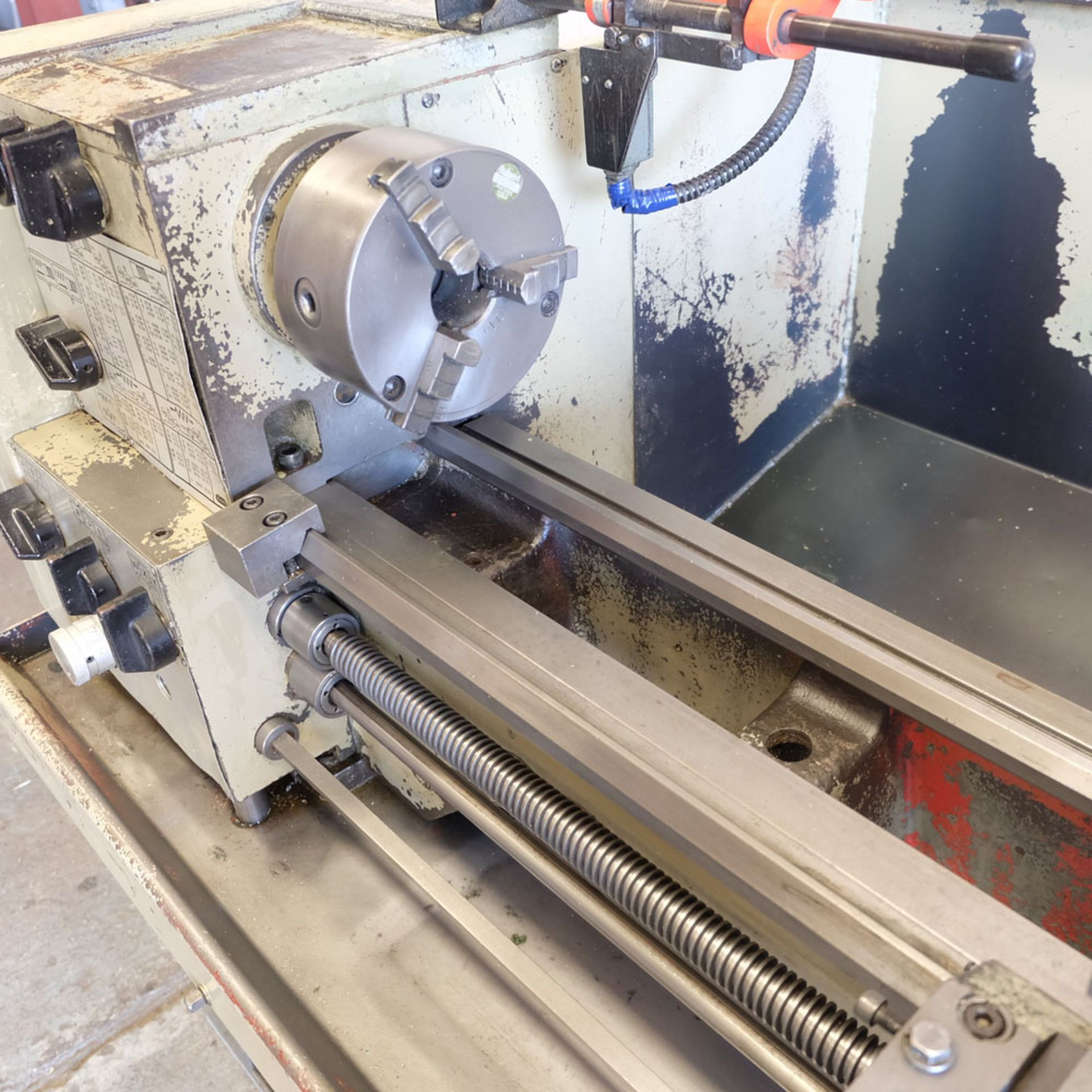 Harrison M300 Centre Lathe. Swing Over Bed: 330mm. Distance Between Centres: 635mm. - Image 5 of 8