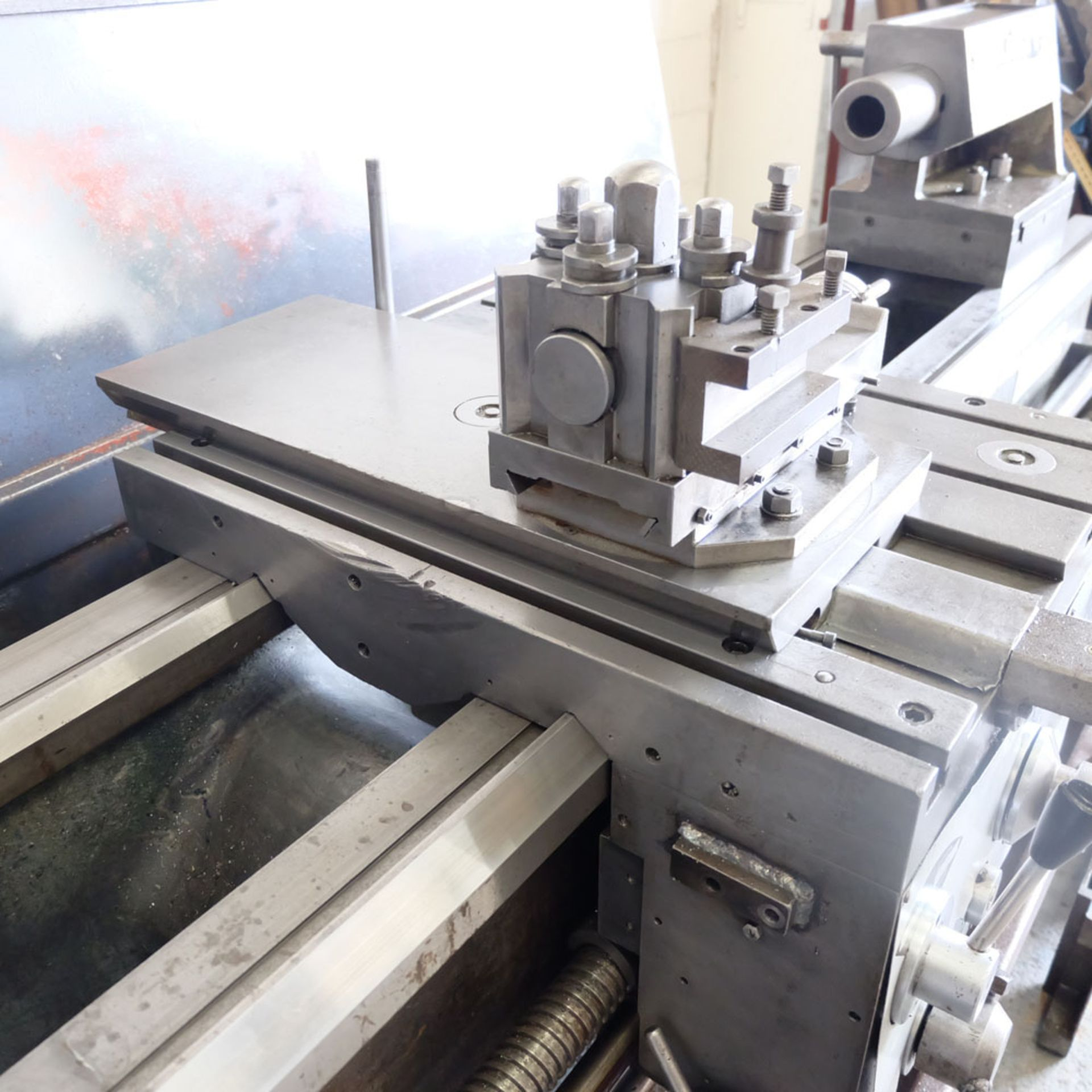 """Elliott 460 Gap Bed Centre Lathe. Swing Over Bed 18"""". Between Centres 60"""". - Image 7 of 7"""