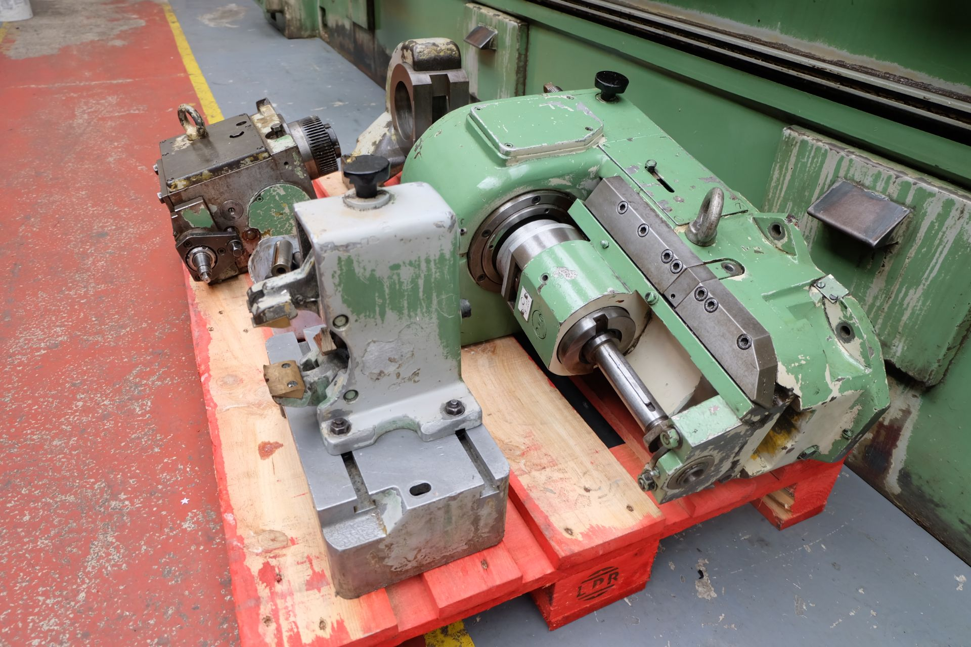 Heckert Type ZFWVG 25 x 5000 Long Thread and Spline Shaft Milling Machine. Centre Height 250mm. - Image 20 of 21