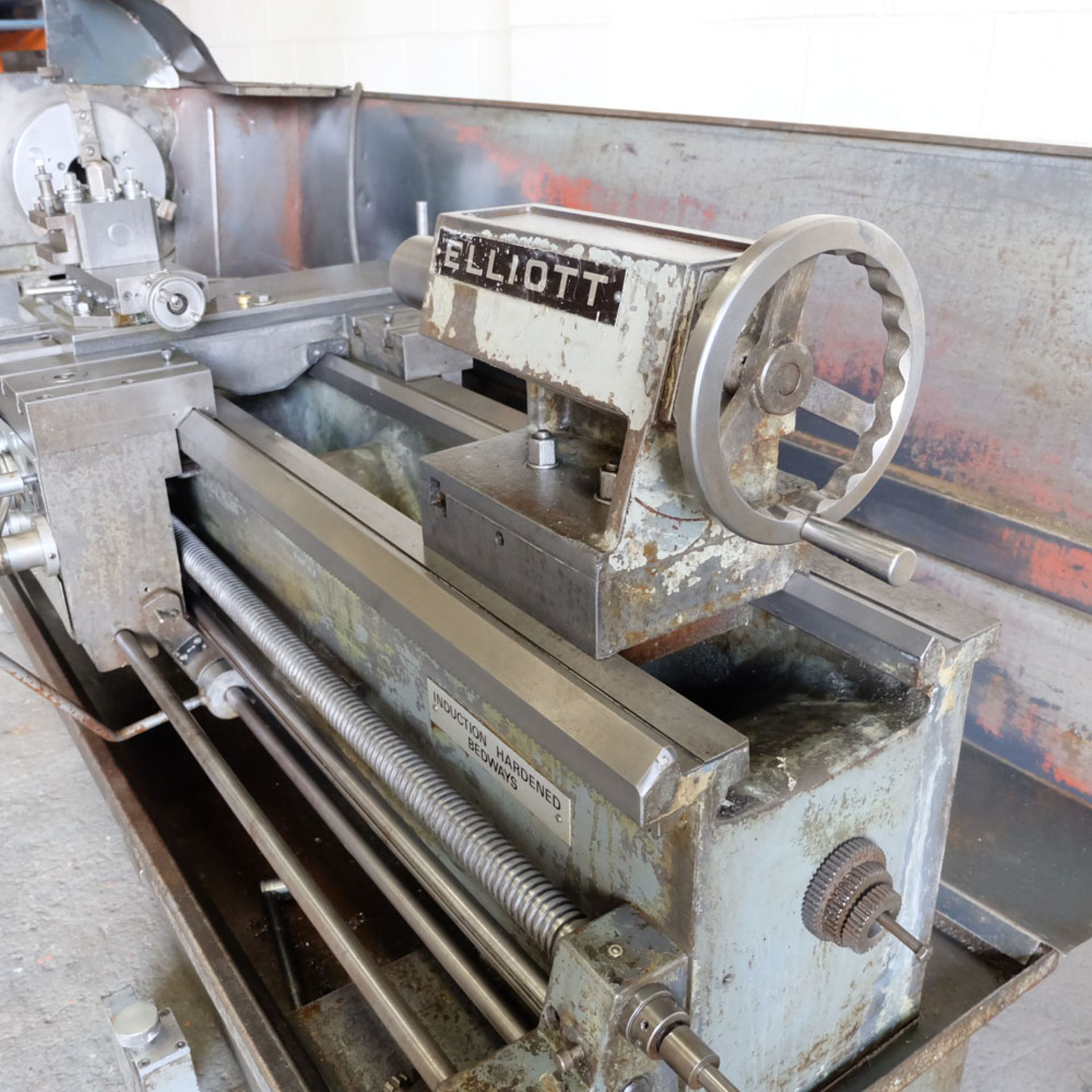 """Elliott 460 Gap Bed Centre Lathe. Swing Over Bed 18"""". Between Centres 60"""". - Image 5 of 7"""