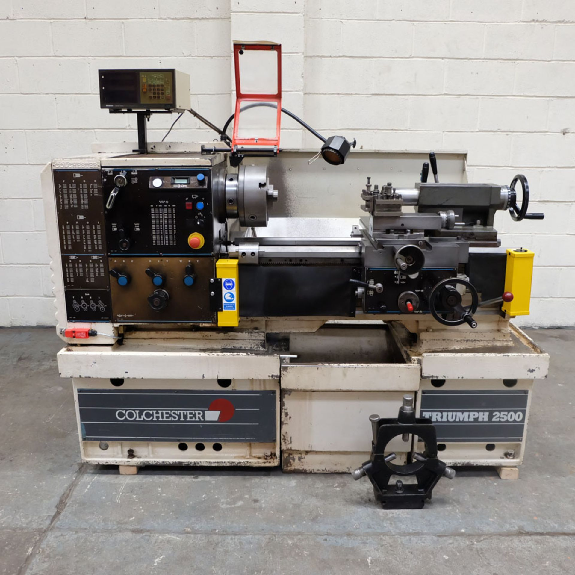 Colchester Triumph V5 2500 Variable Speed Centre Lathe. Swing Over Bed: 400mm.