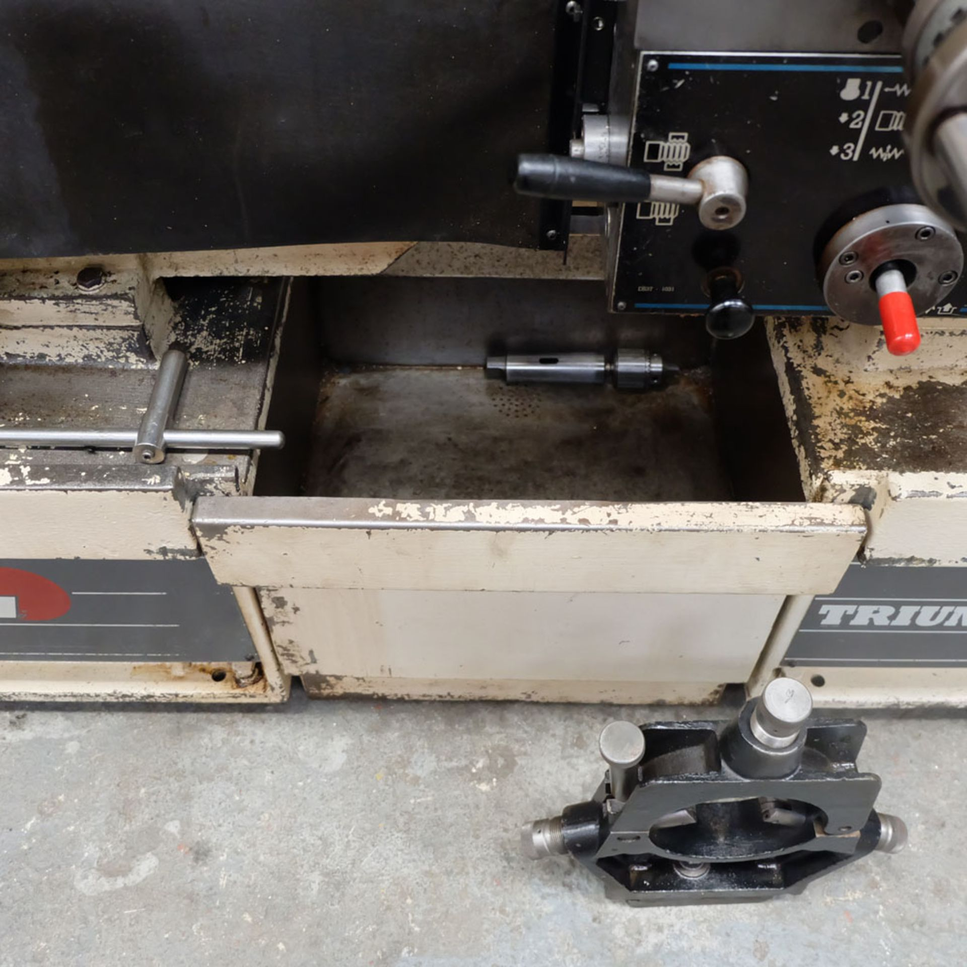 Colchester Triumph V5 2500 Variable Speed Centre Lathe. Swing Over Bed: 400mm. - Image 12 of 12