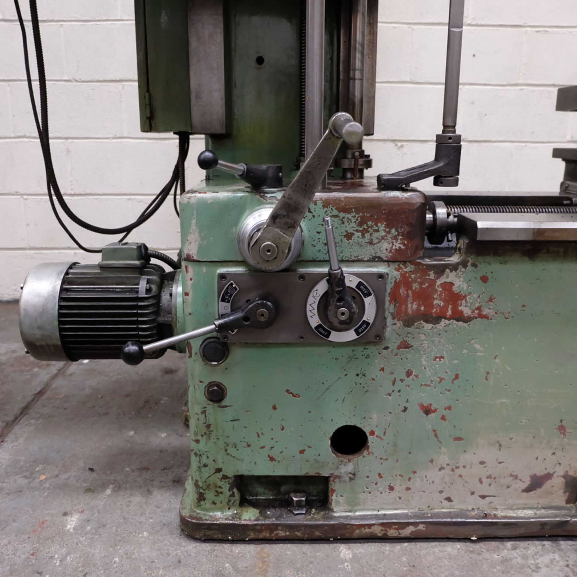 Juaristi Model MDR-55 Horizontal Boring Machine. Spindle Size: 55mm Dia. Spindle Bore: No.4 MT. - Image 8 of 14