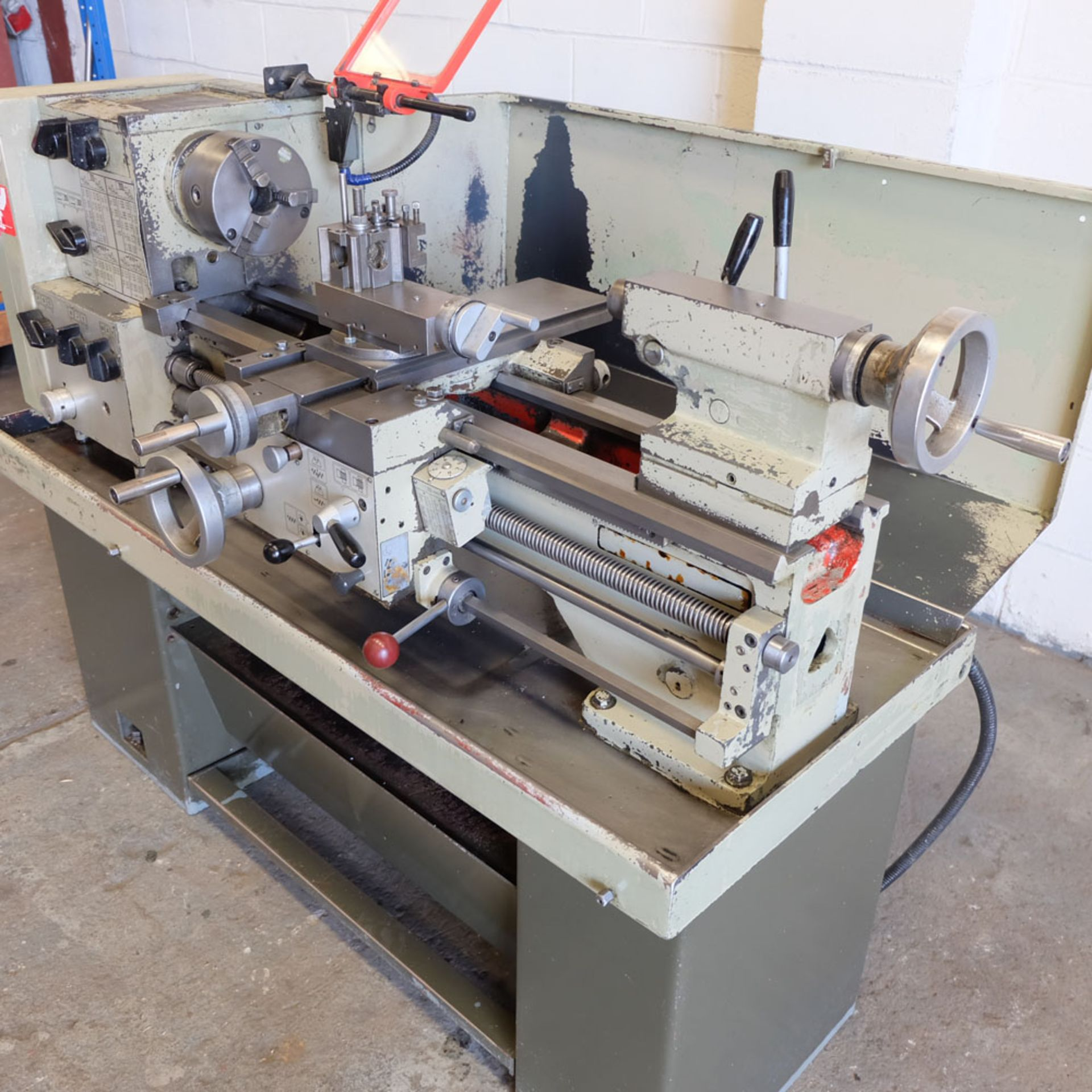 Harrison M300 Centre Lathe. Swing Over Bed: 330mm. Distance Between Centres: 635mm. - Image 2 of 8