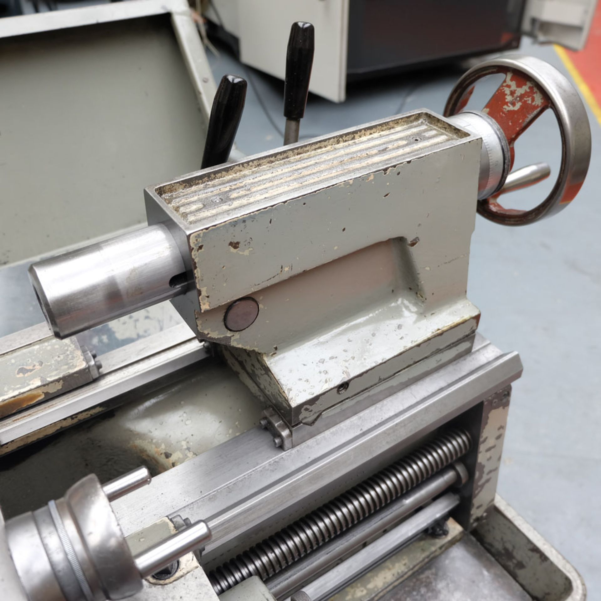 Colchester Student 1800 Gap Bed Centre Lathe. - Image 7 of 8