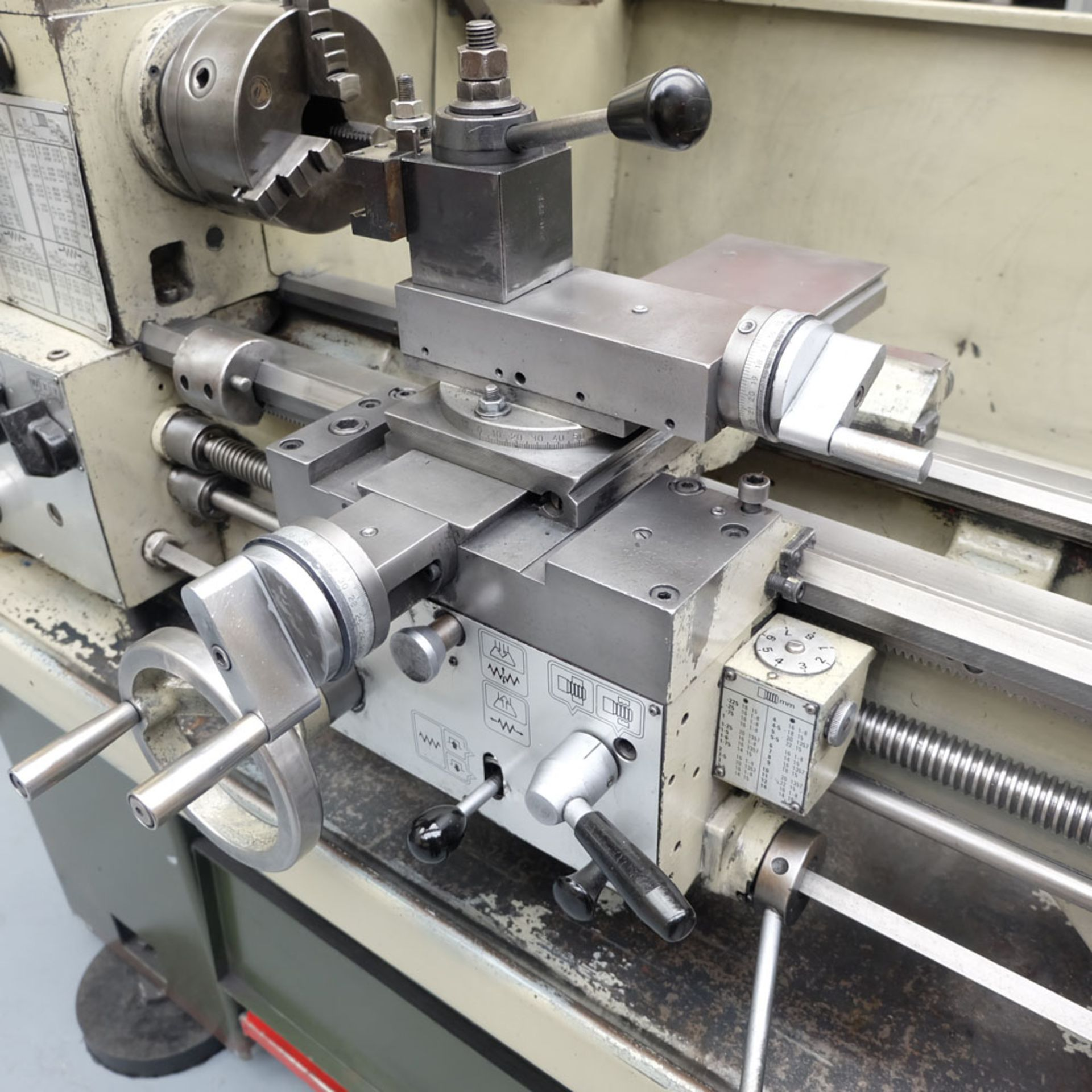 Harrison M300 Straight Bed Centre Lathe. - Image 5 of 6