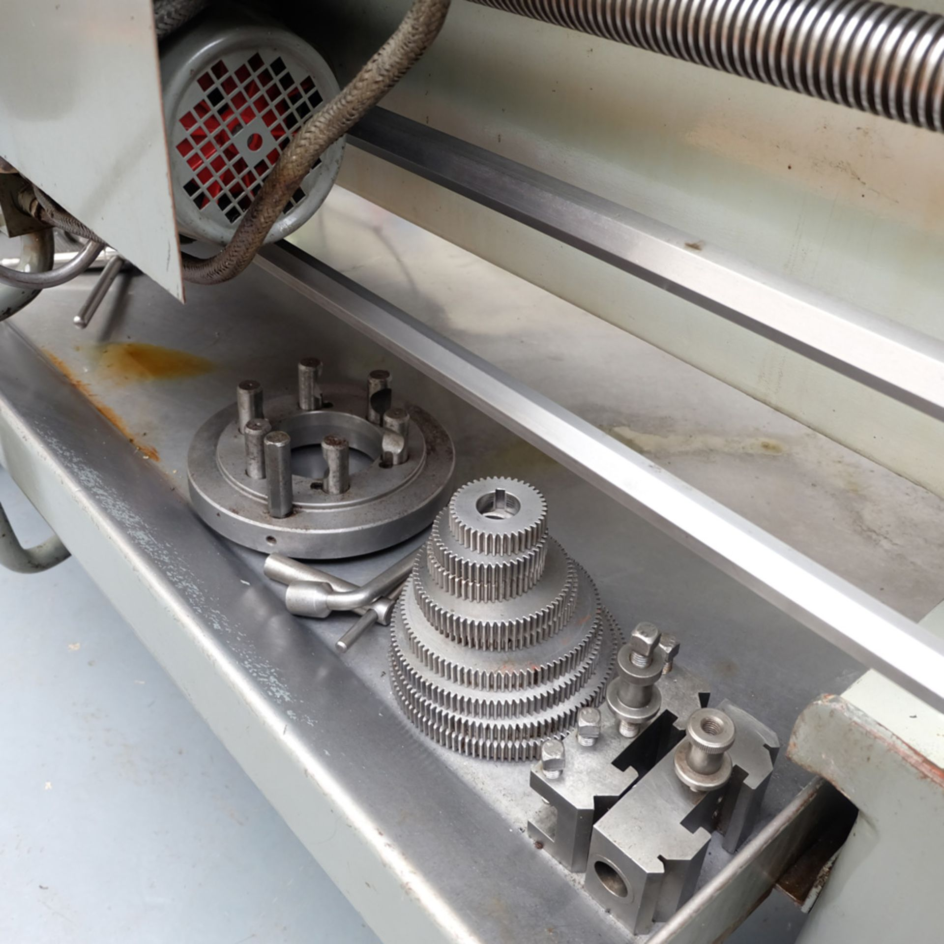 TOS SN 50C Gap Bed Centre Lathe. - Image 9 of 13