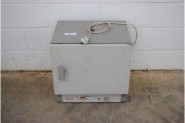 Gallenkamp Model: OVB-300-010 Size One Hotbox Oven