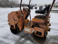 Case mini-roller 102 vibromax. Articulating drum roller. 553 hours showing on hour meter.