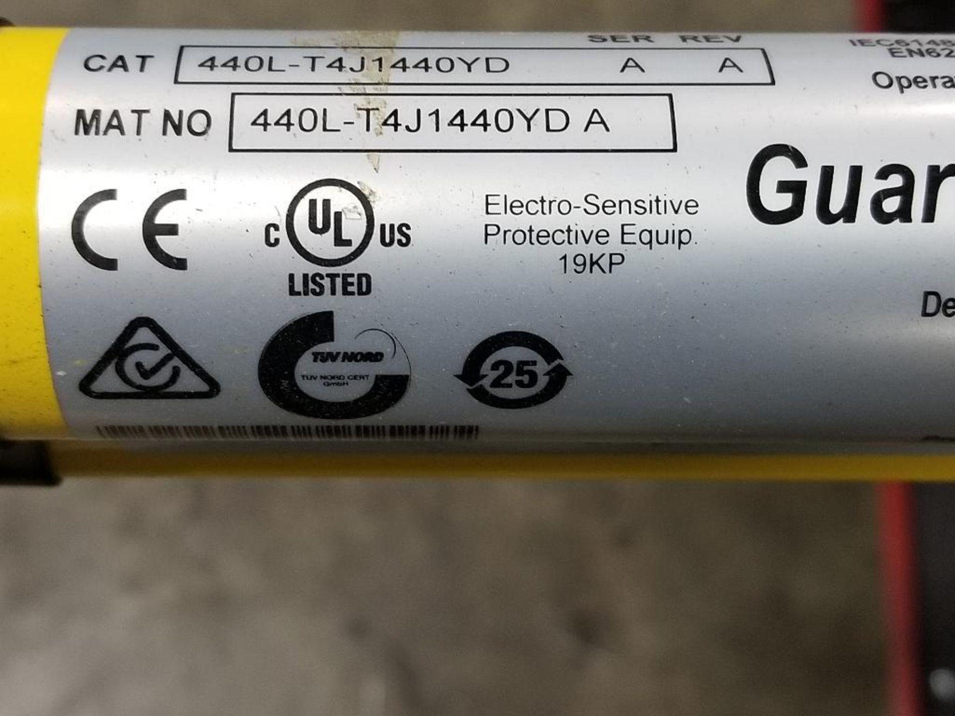 Allen Bradley Light curtain transmitter / receiver set. GuardMaster GuardShield T4J440YD 4K0AM1EF. - Image 15 of 23