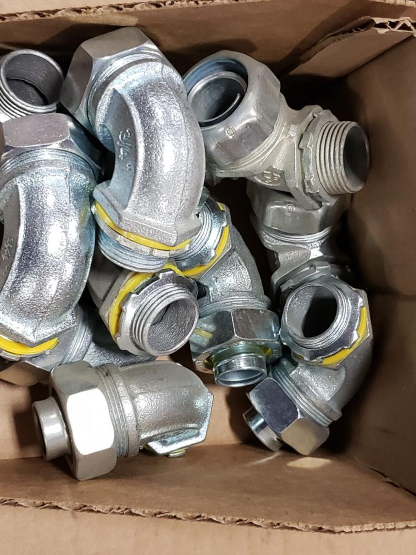 """Lg Qty of Hubbell Liquid Tight hose Fittings. 3/4"""" Elbows and straight fittings. - Image 2 of 6"""