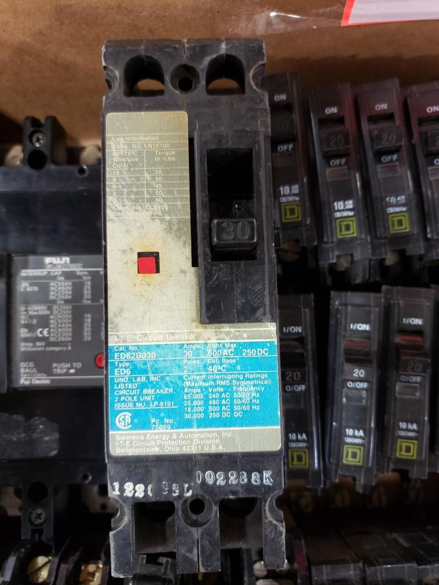 Assorted electrical breakers. Square-D, ITE, Fuji. - Image 6 of 7