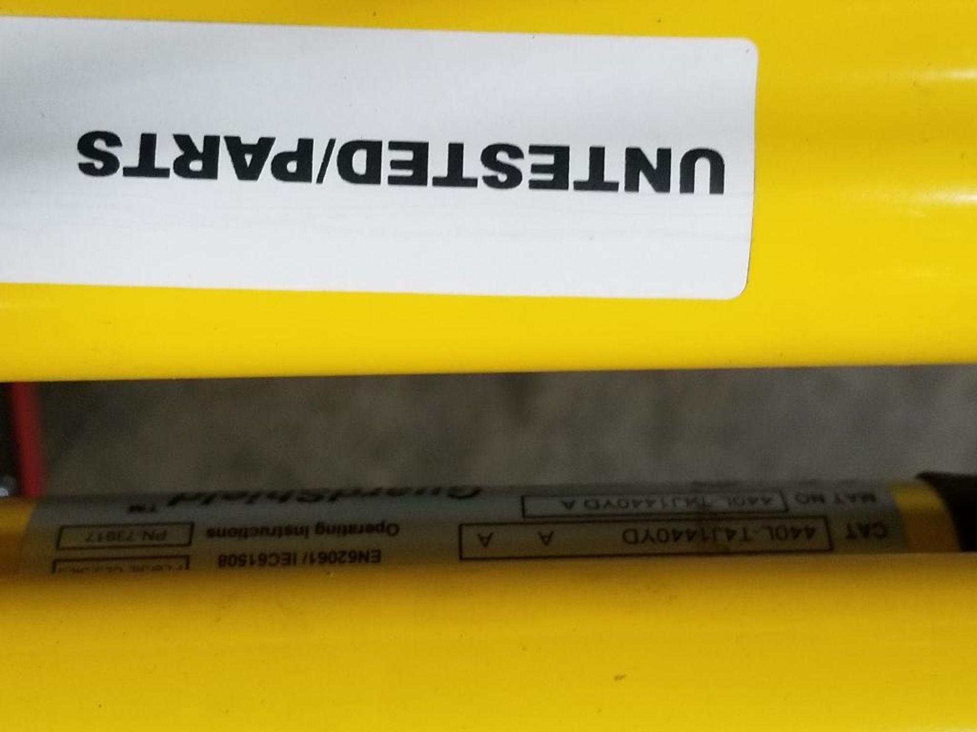 Allen Bradley Light curtain transmitter / receiver set. GuardMaster GuardShield T4J440YD 4K0AM1EF. - Image 18 of 23