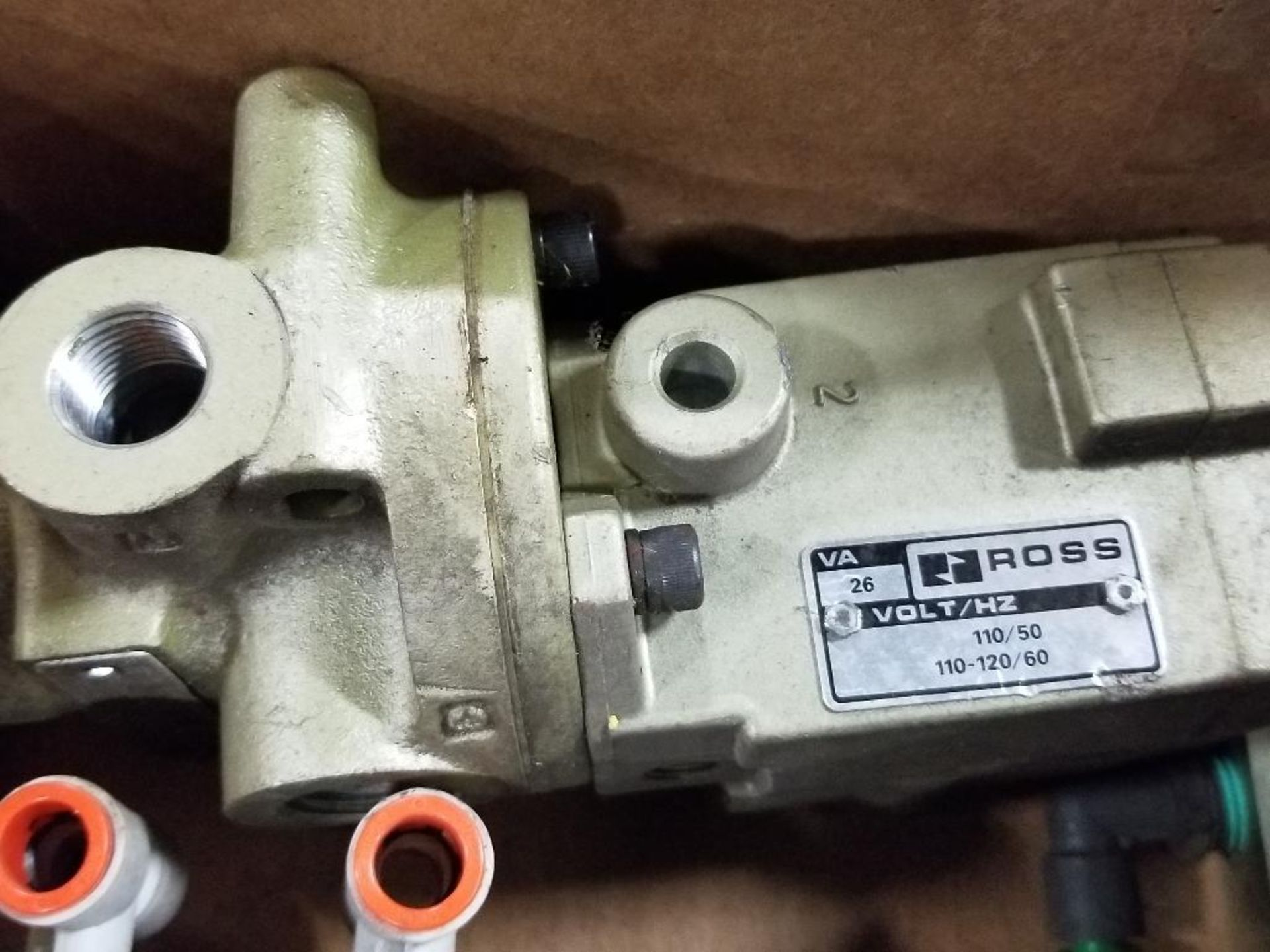 Assorted flow control valves. Ross, Parker, Clippard. - Image 6 of 8
