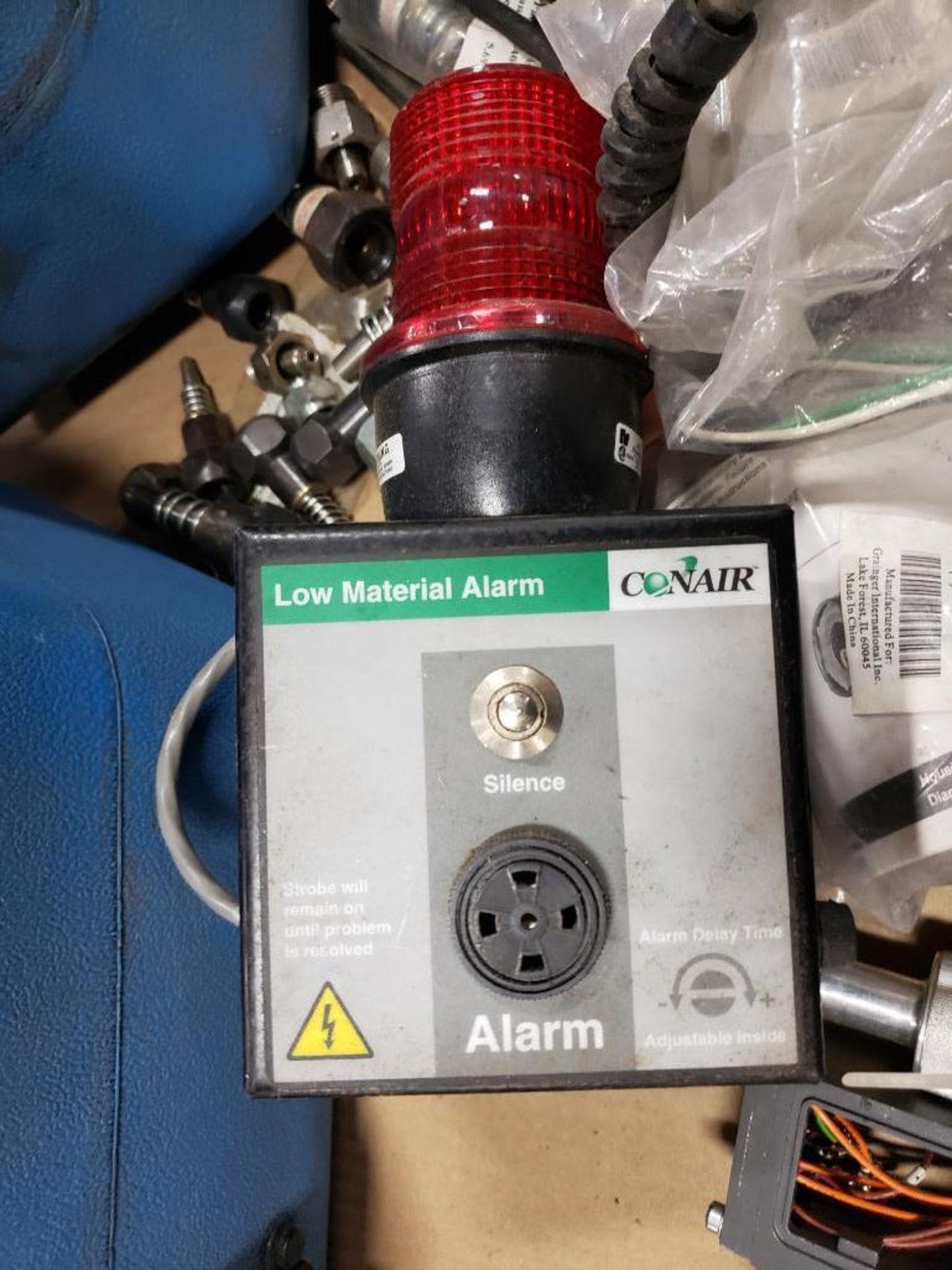 Pallet of assorted parts. Emergency eyewash, Conair universal terminal box, Hydraulik Ring valve. - Image 6 of 14
