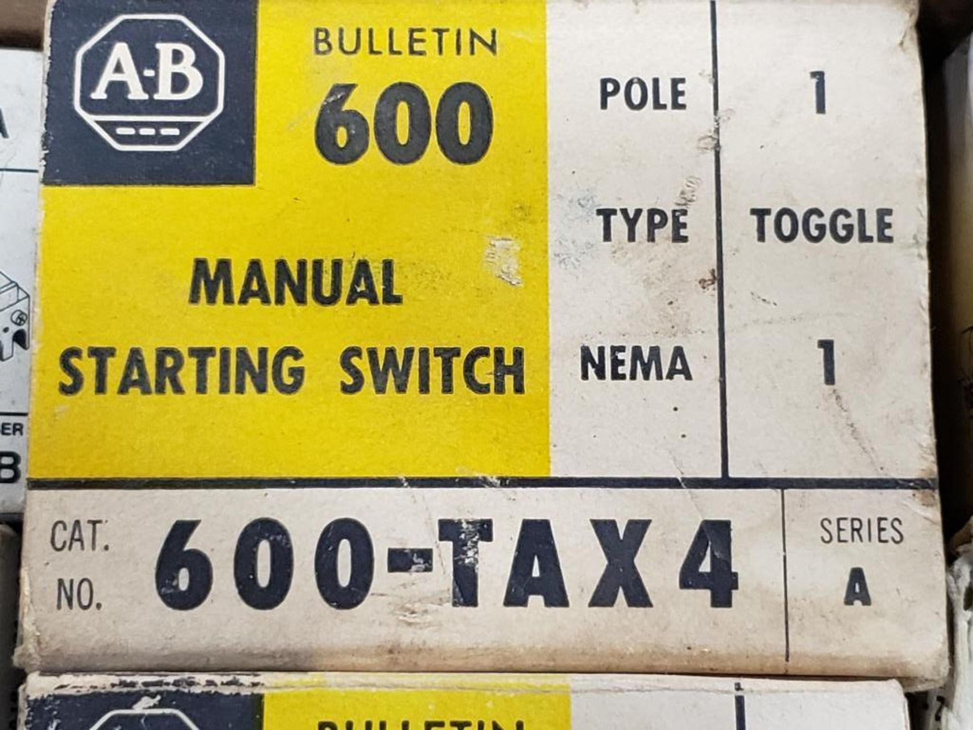 Assorted electrical relay, switches, contactor. Allen Bradley. - Image 9 of 15