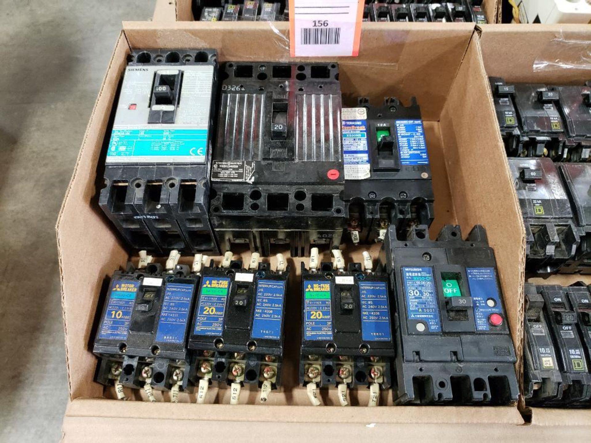 Assorted molded case breakers. Siemens, GE, Mitsubishi.
