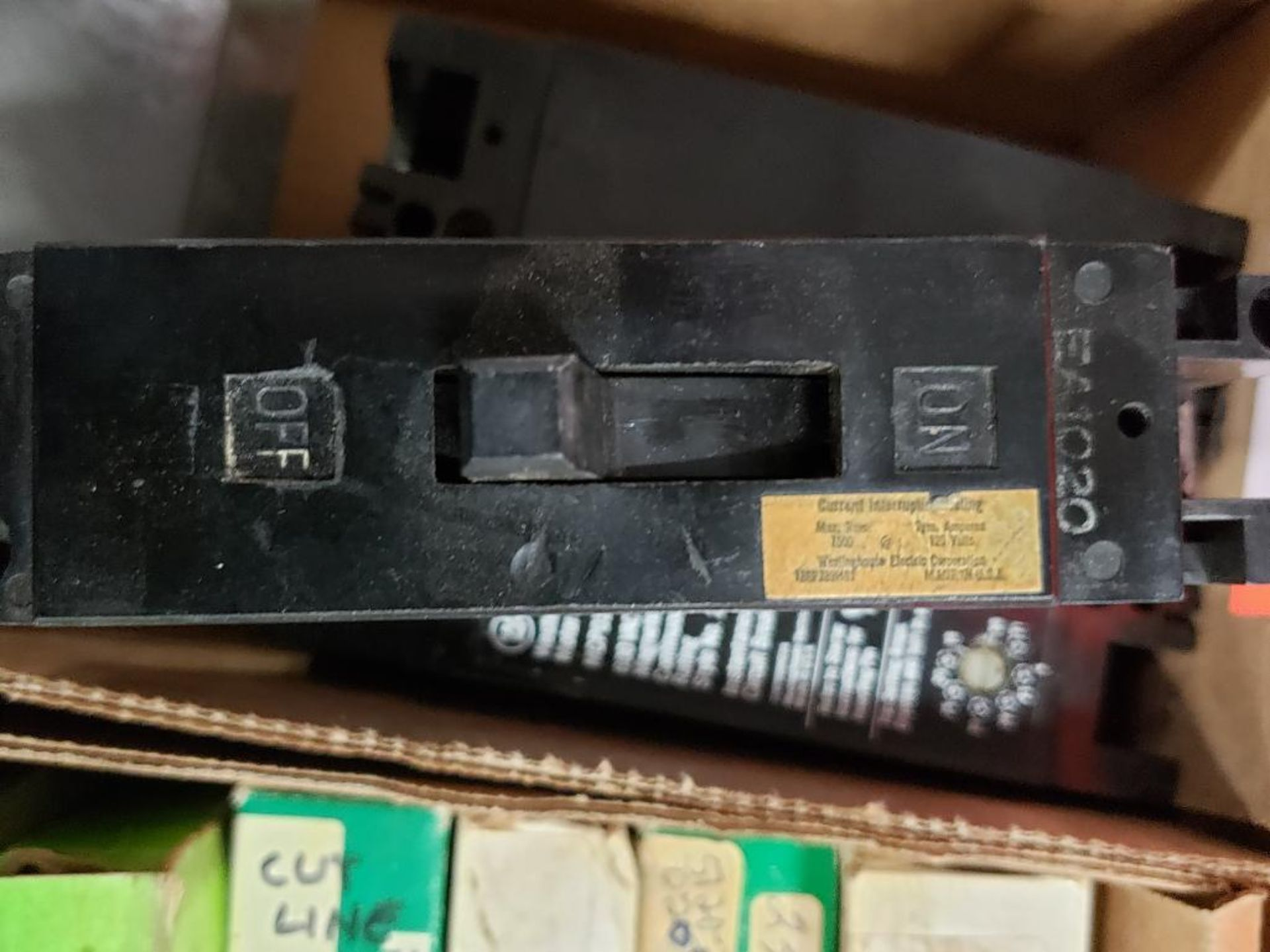Assorted electrical breakers. Siemens, Westinghouse. - Image 6 of 8