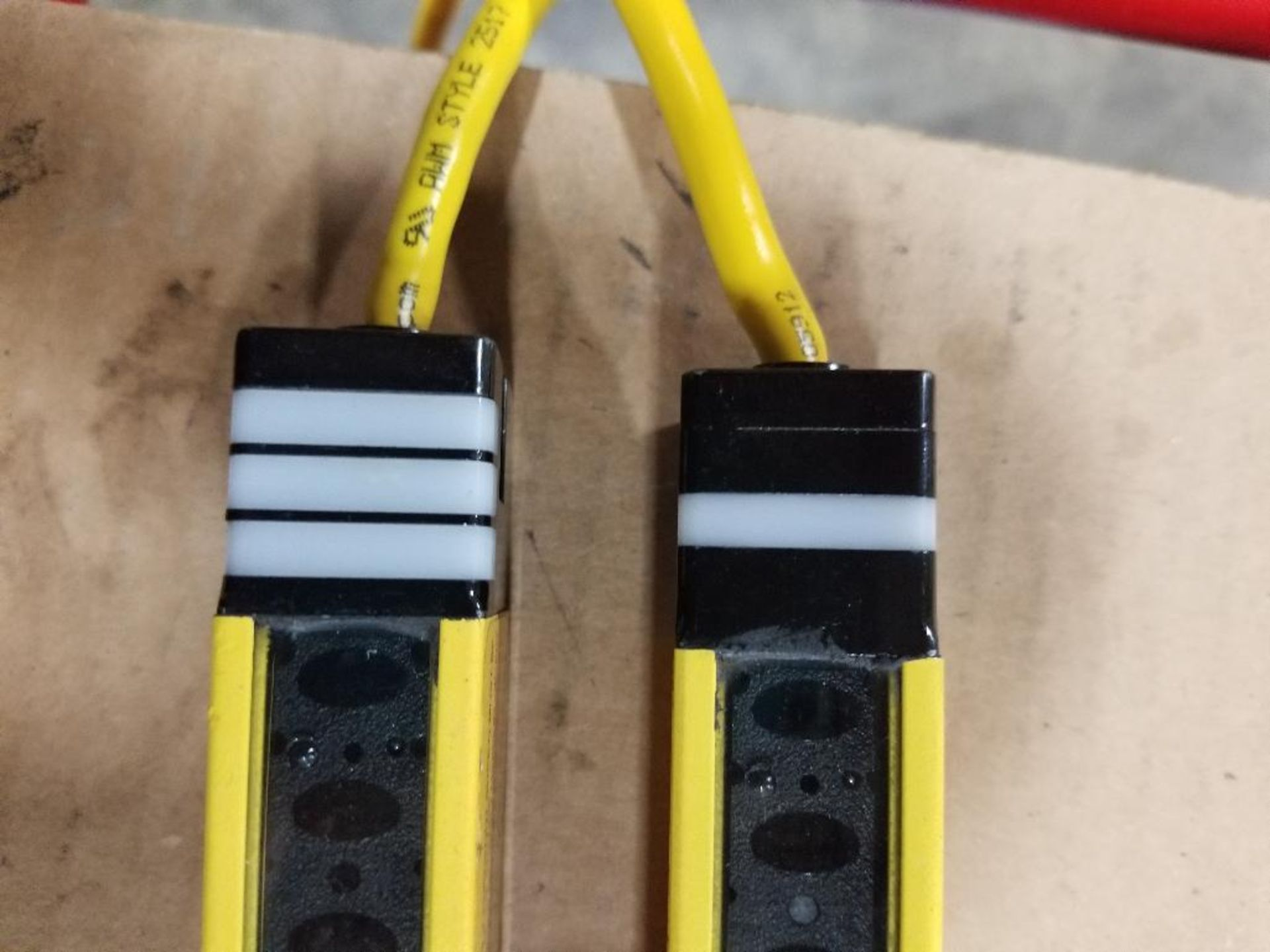 Banner Micro-Screen Light curtain transmitter / receiver set. USR3624YP2, USE3624YP2. - Image 5 of 5