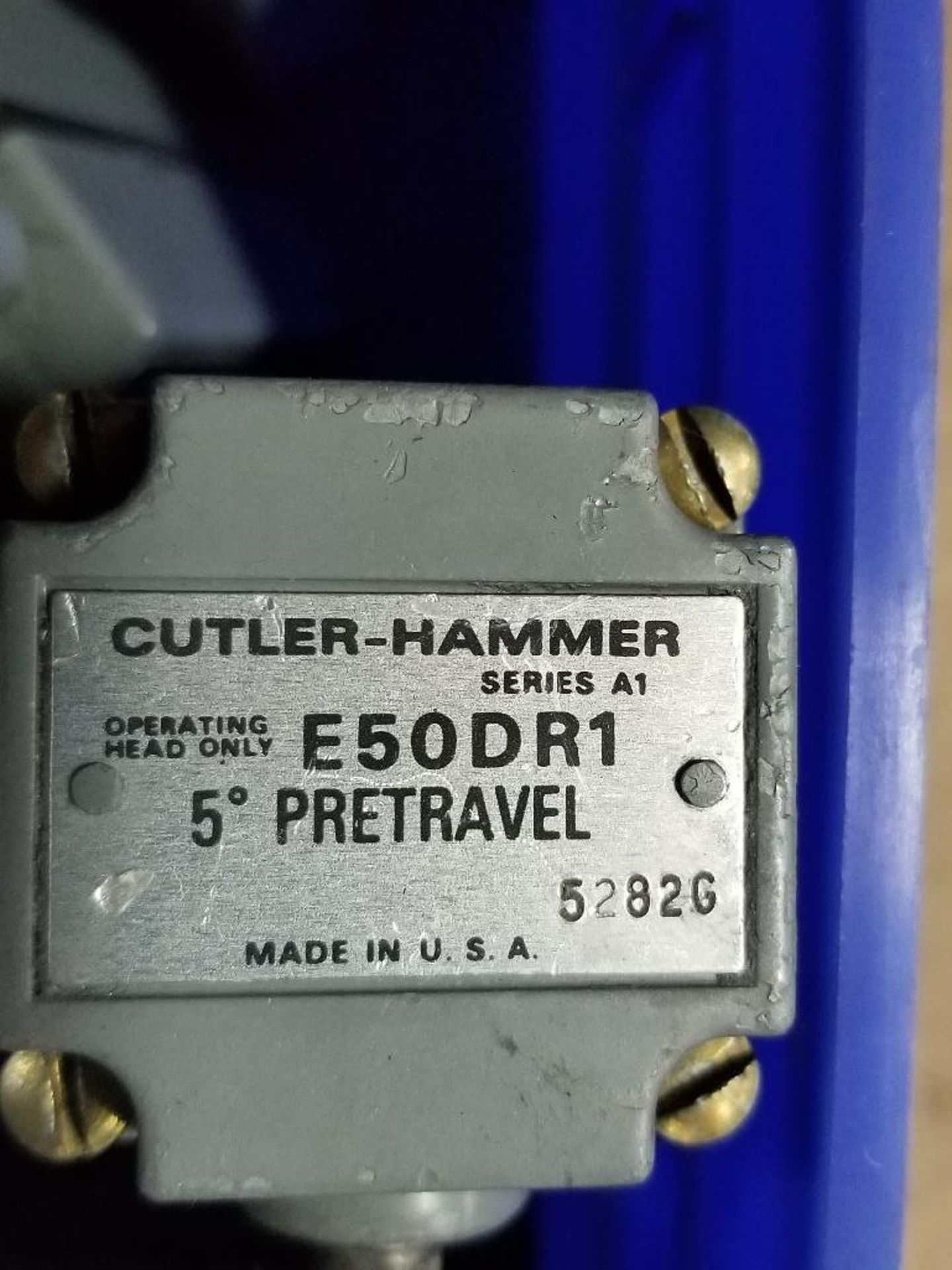 Assorted electrical limit switches. Cutler Hammer. - Image 4 of 9