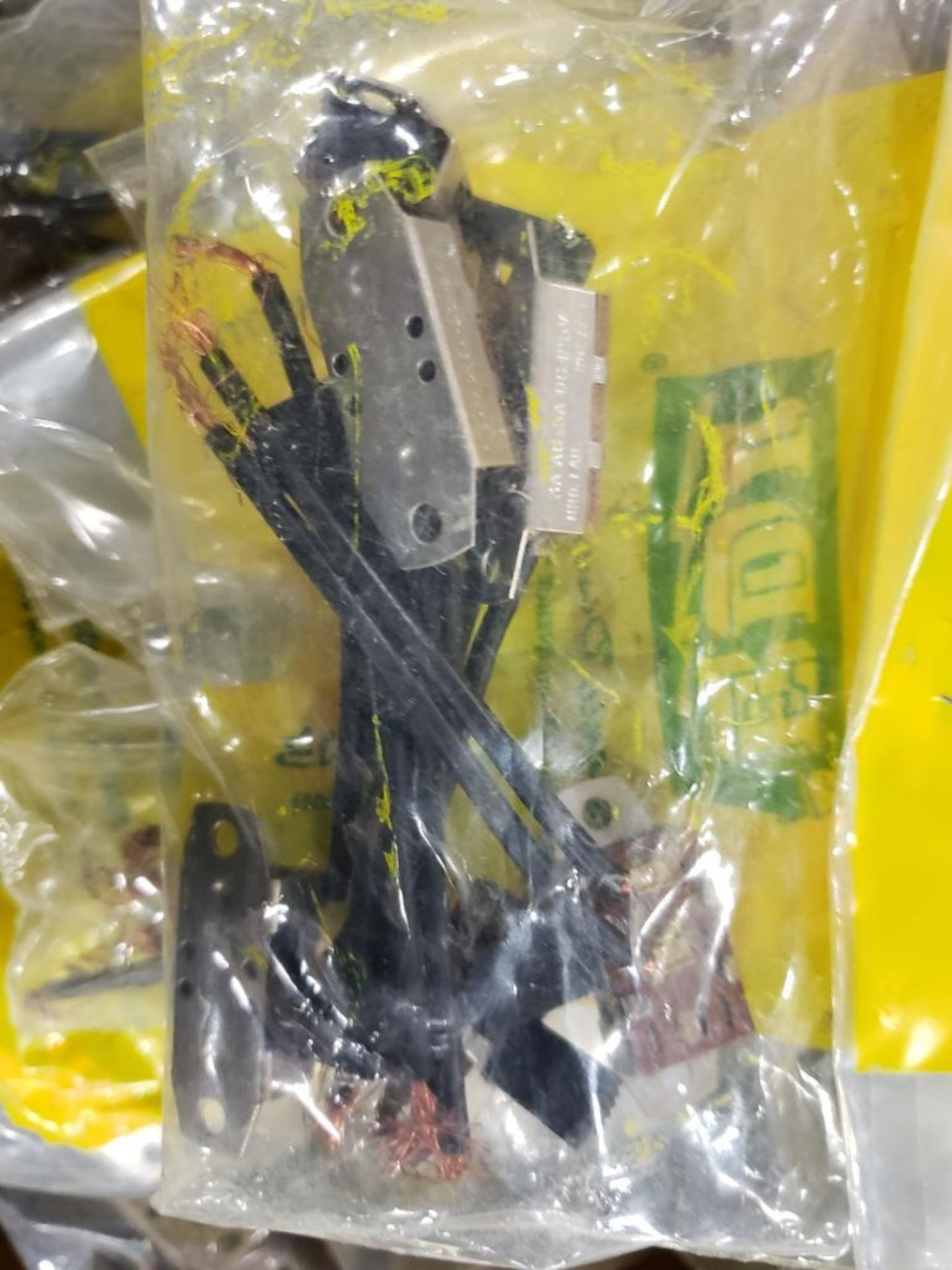 Lg Qty EDI toggle switches. S88. - Image 4 of 5