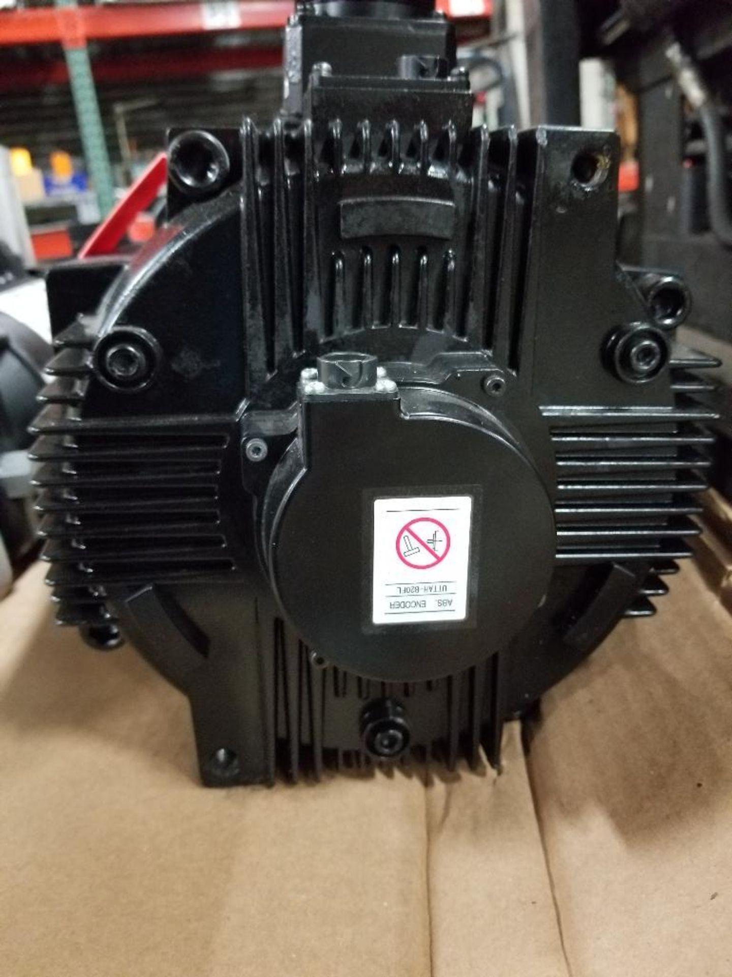 11kW Yaskawa Electric AC Servo Motor. SGMGV-1AA3A6E. 200V, 1500RPM. - Image 2 of 5