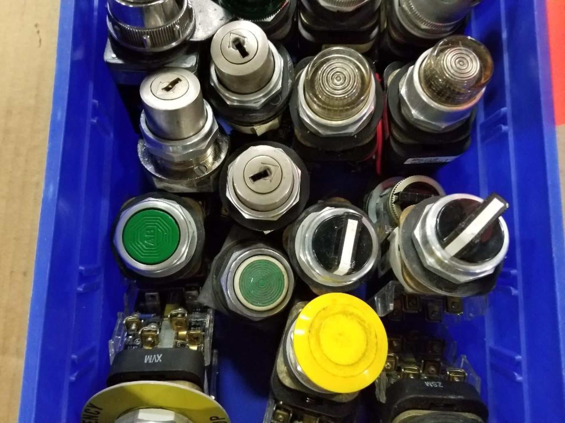 Assorted electrical switches, pushbuttons. - Image 3 of 5