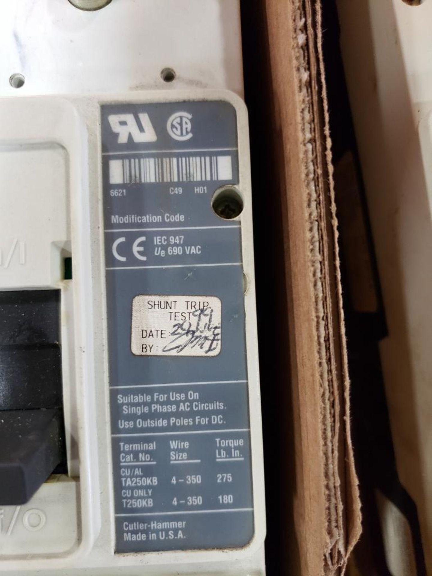 Cutler Hammer CHMCP HMCP2LWS10 250AMP Molded case breaker. - Image 3 of 4