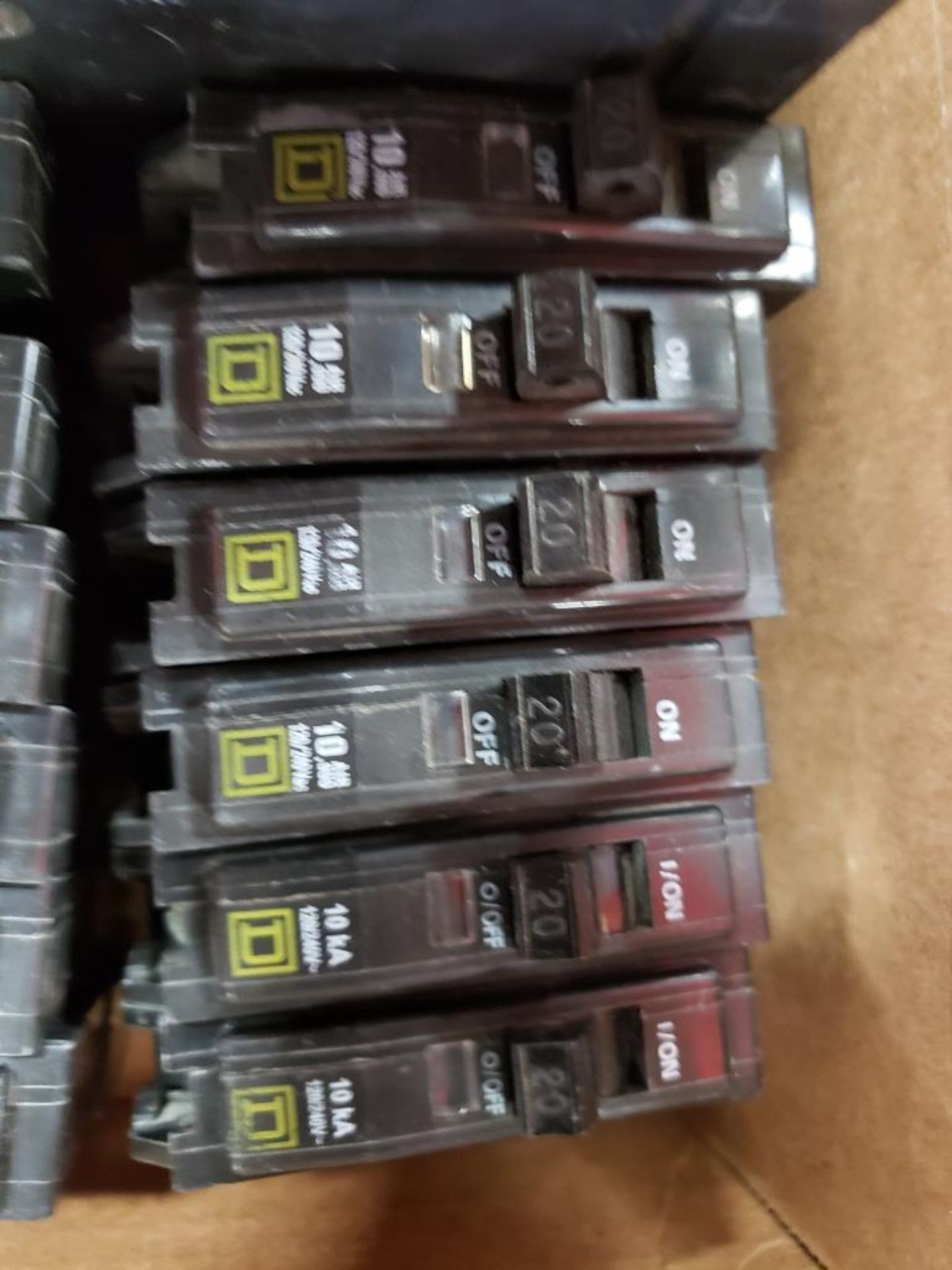 Assorted electrical breakers. Square-D, ITE, Fuji. - Image 5 of 7