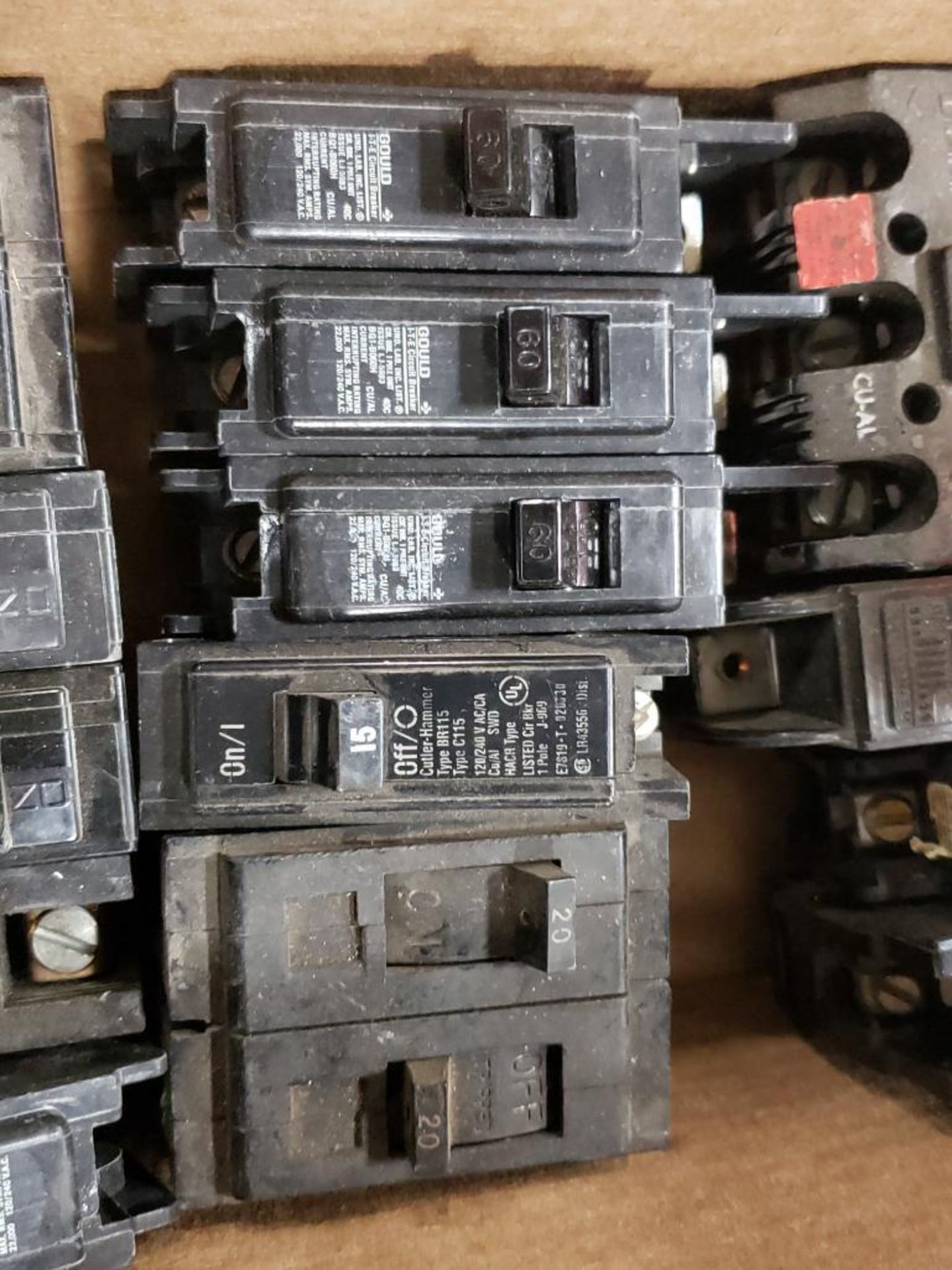 Assorted electrical circuit breakers. GE. - Image 3 of 4