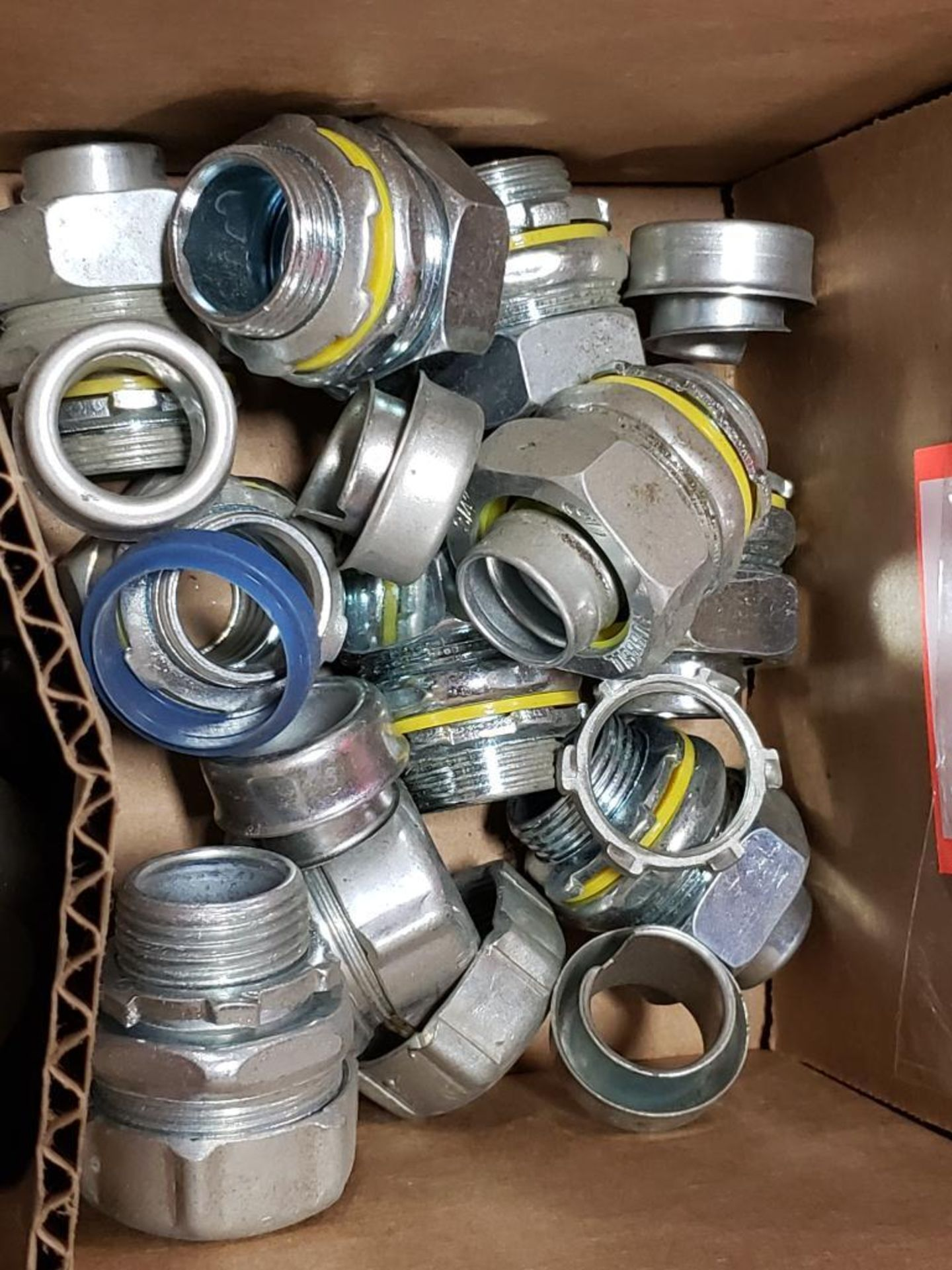 """Lg Qty of Hubbell Liquid Tight hose Fittings. 3/4"""" Elbows and straight fittings. - Image 3 of 6"""