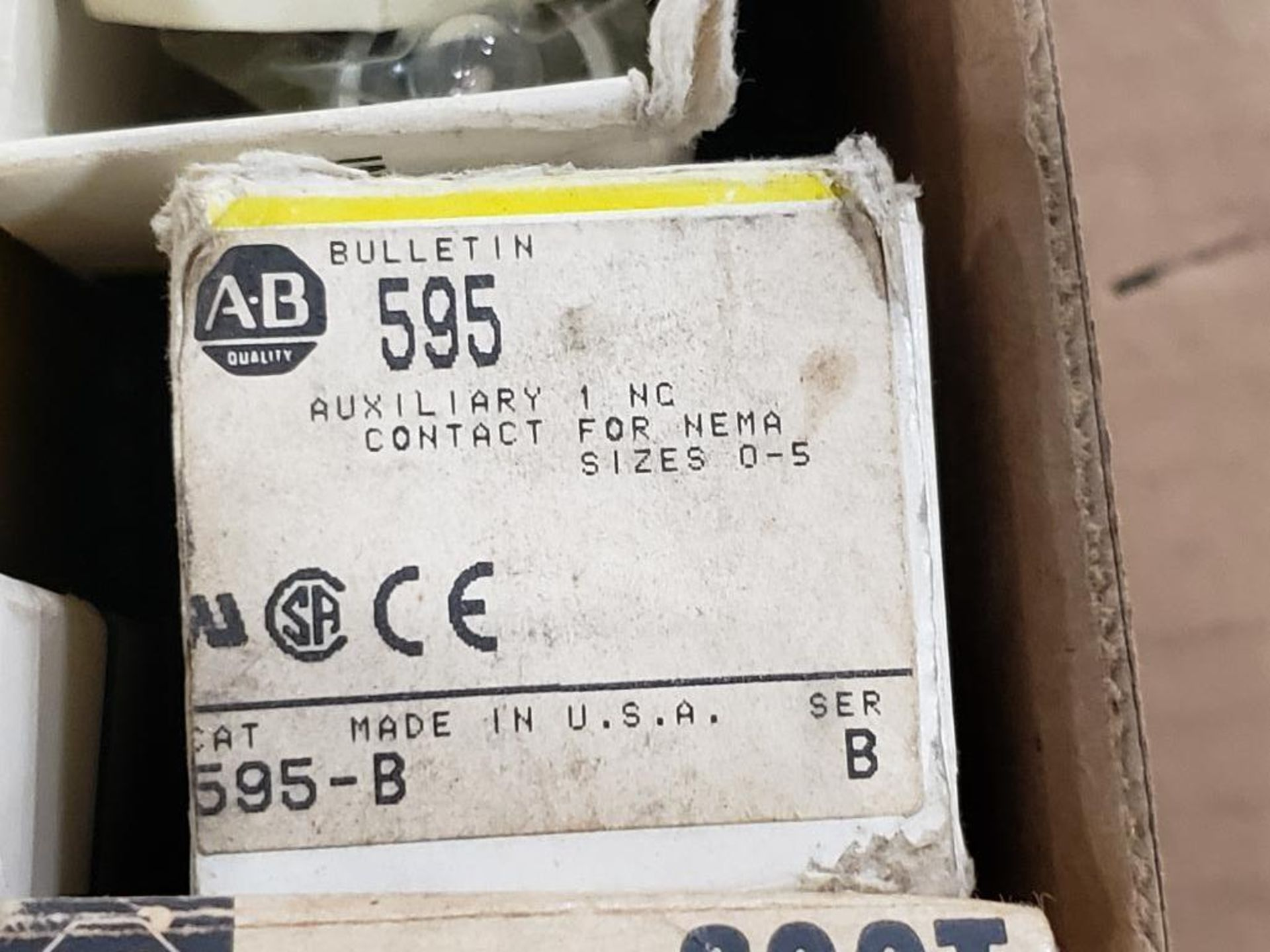 Assorted electrical relay, switches, contactor. Allen Bradley. - Image 6 of 15
